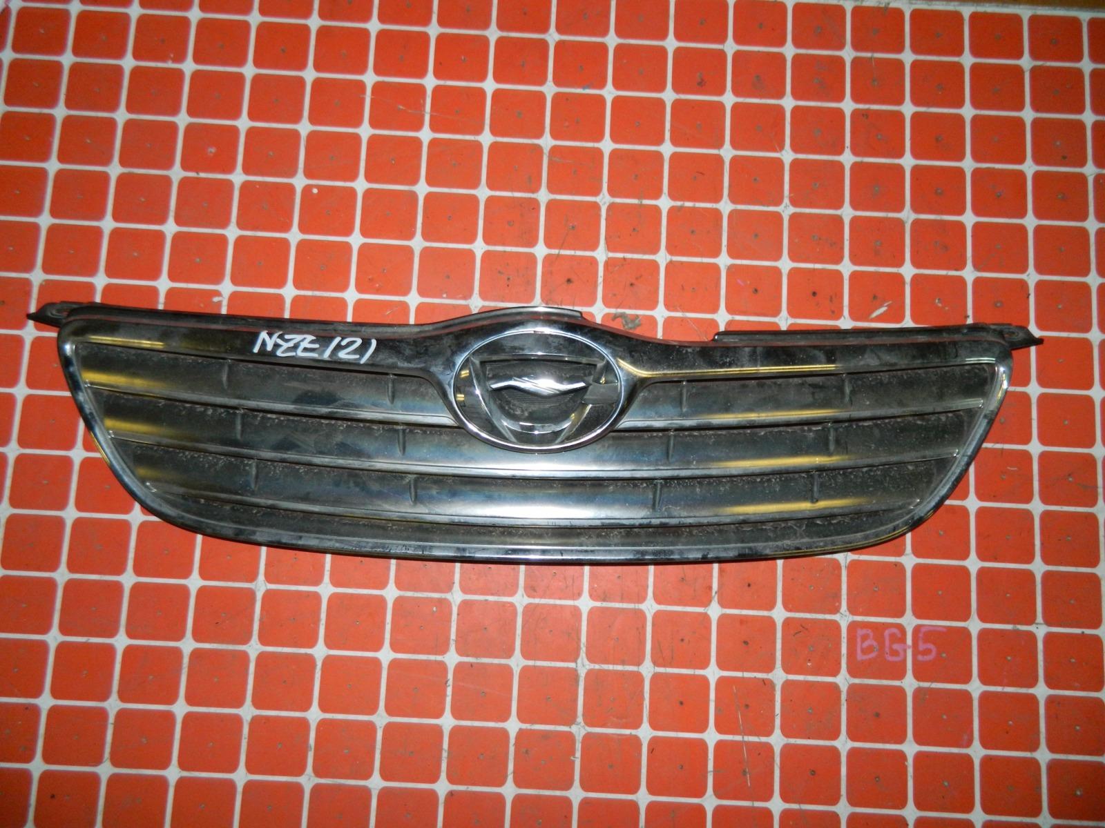 Решетка радиатора Toyota Corolla Fielder NZE121 (б/у)