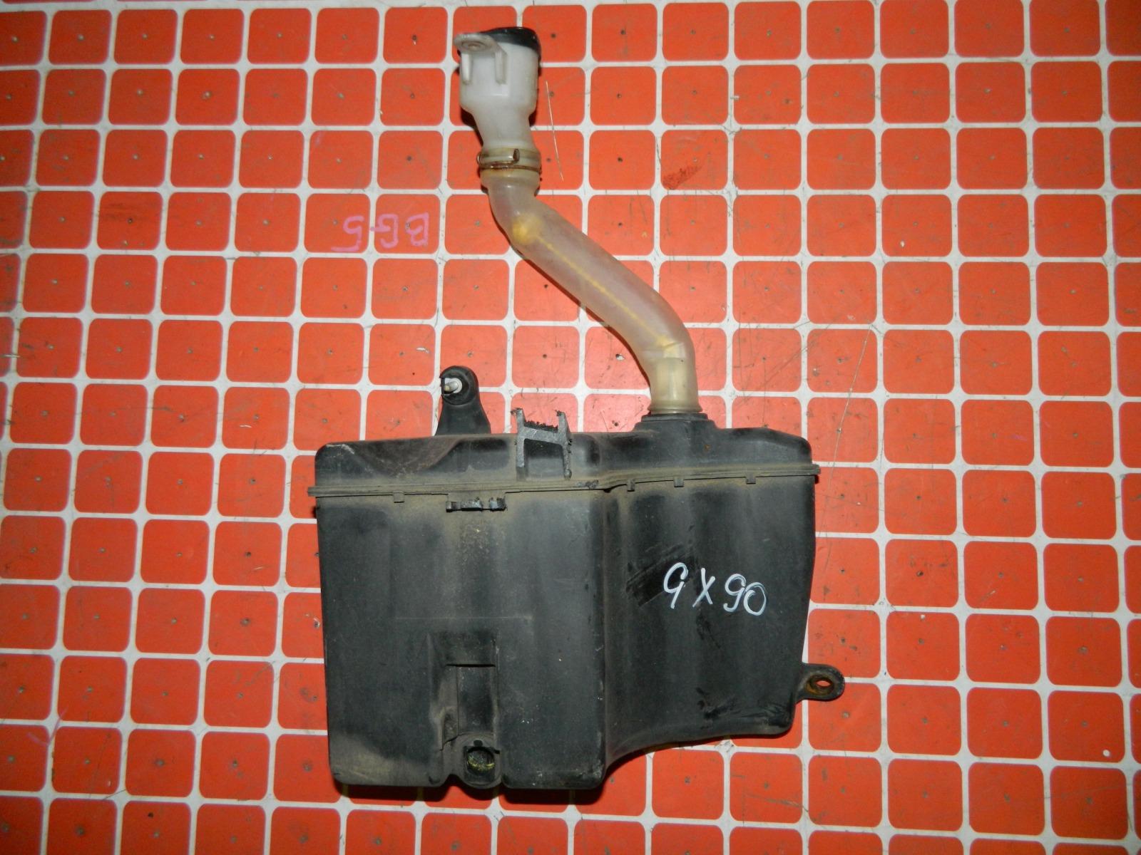Бачок омывателя Toyota Mark Ii GX90 (б/у)