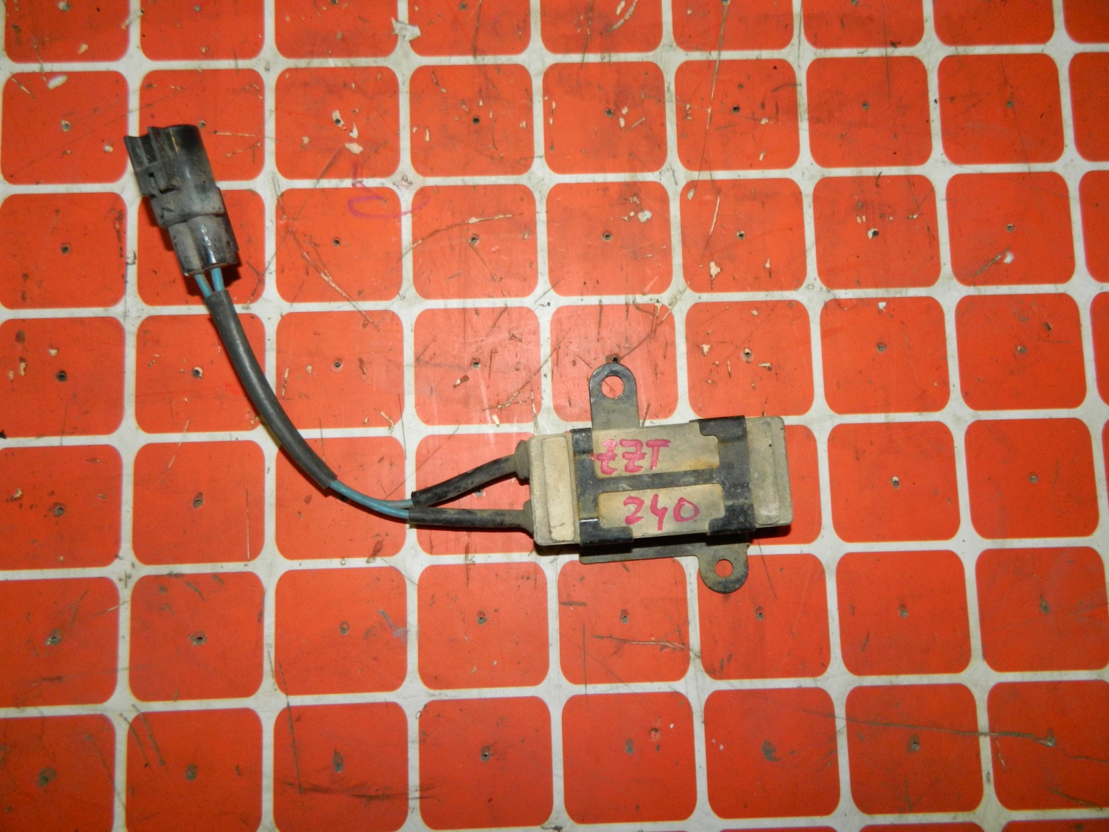 Резистор вентилятора охлаждения Toyota Premio ZZT240 (б/у)