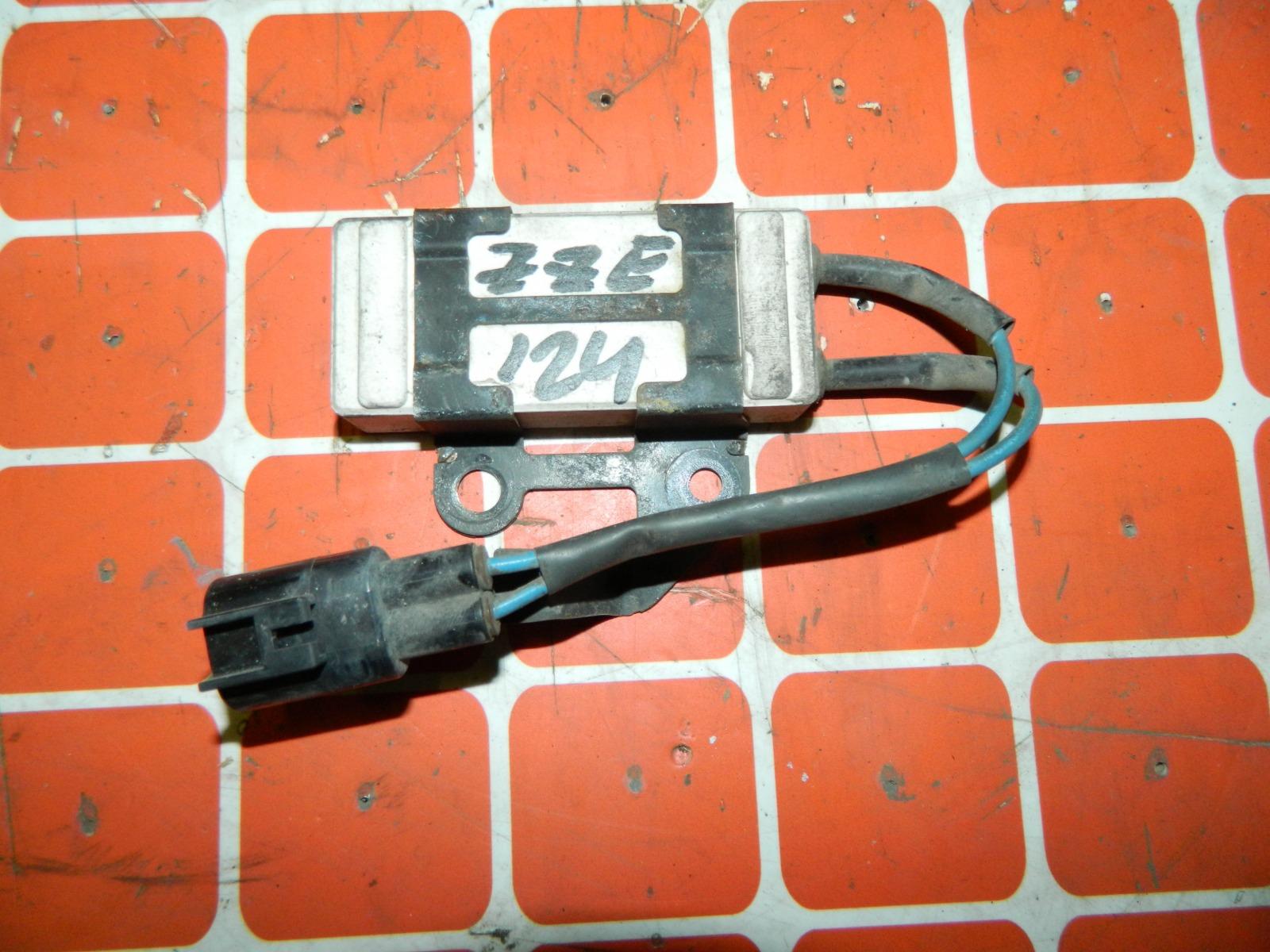 Резистор вентилятора охлаждения Toyota Corolla ZZE124 (б/у)