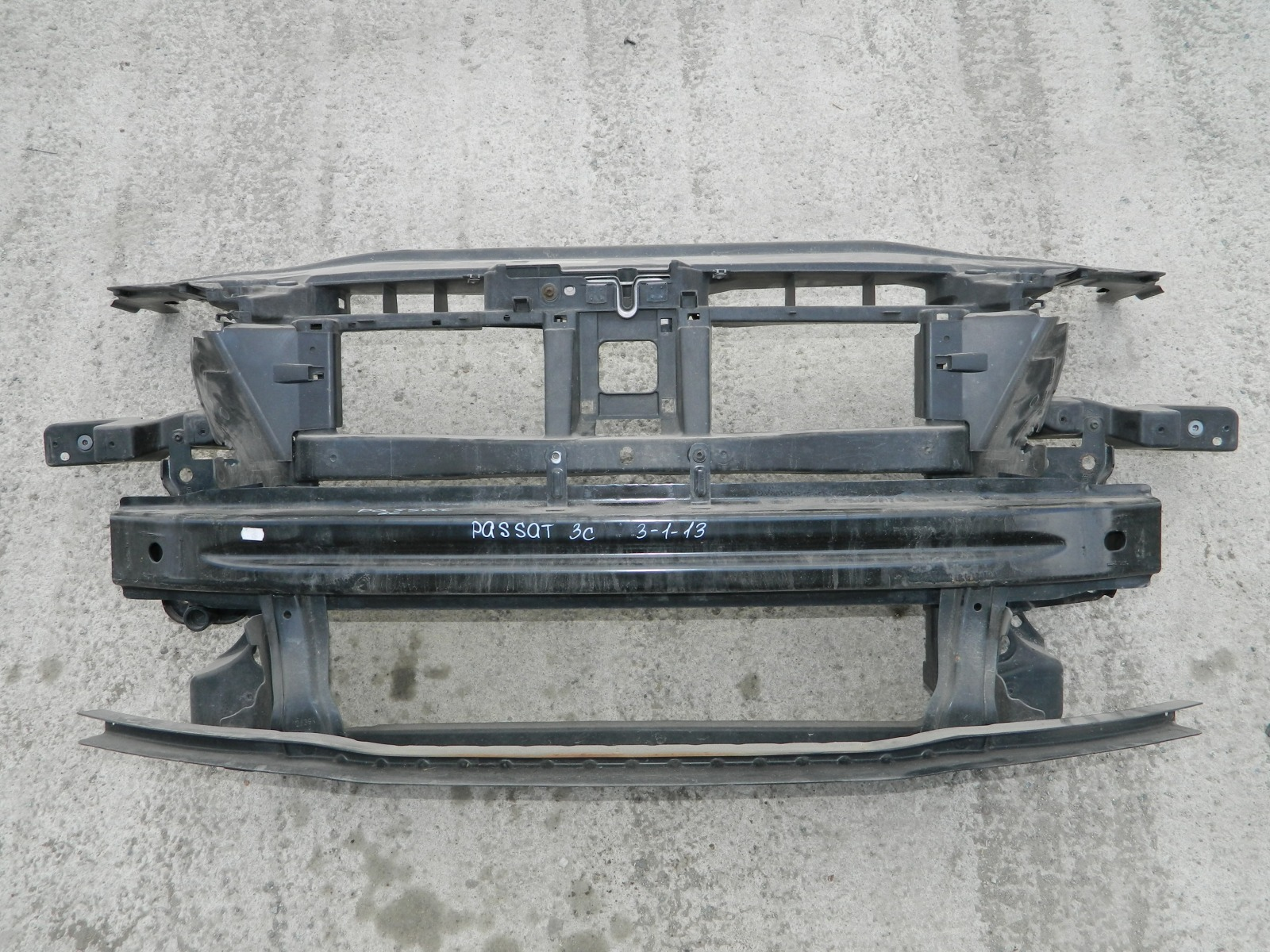 Рамка радиатора Volkswagen Passat 3C (б/у)