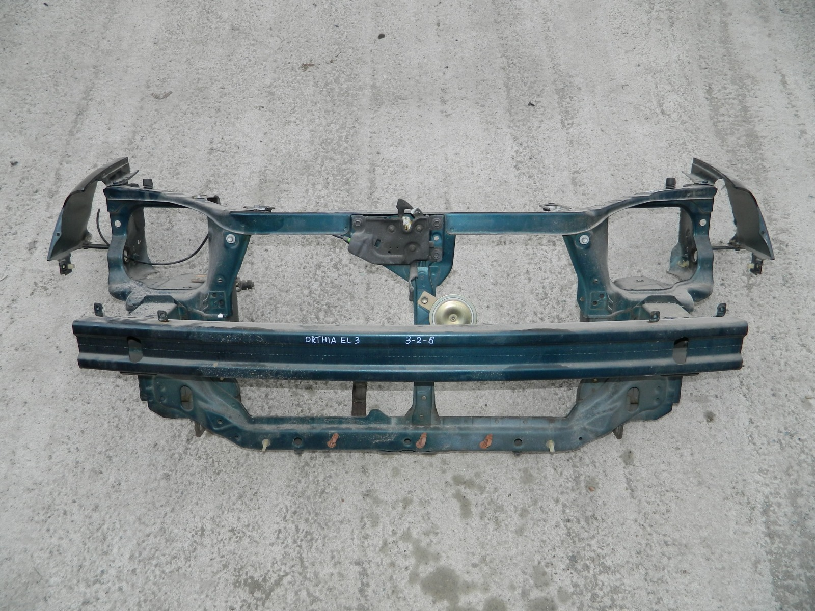 Рамка радиатора Honda Orthia EL3 B20B (б/у)