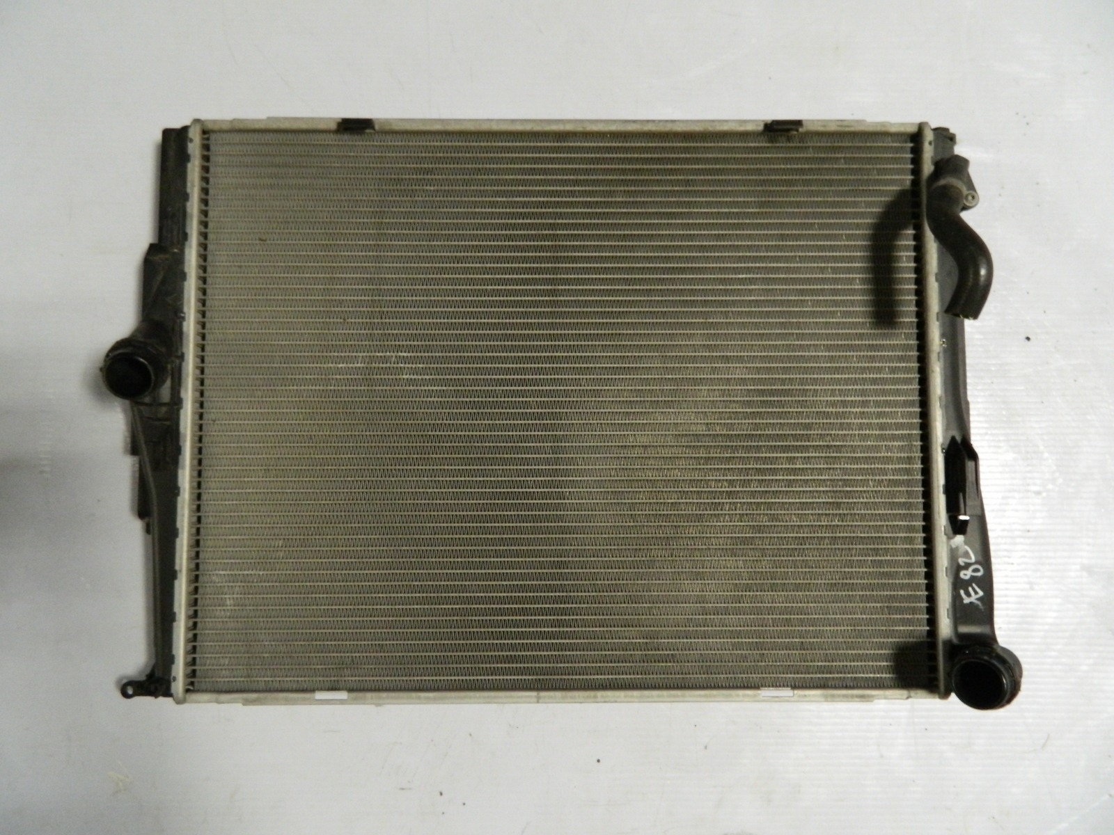Радиатор двс Bmw 123D E82 2006 (б/у)