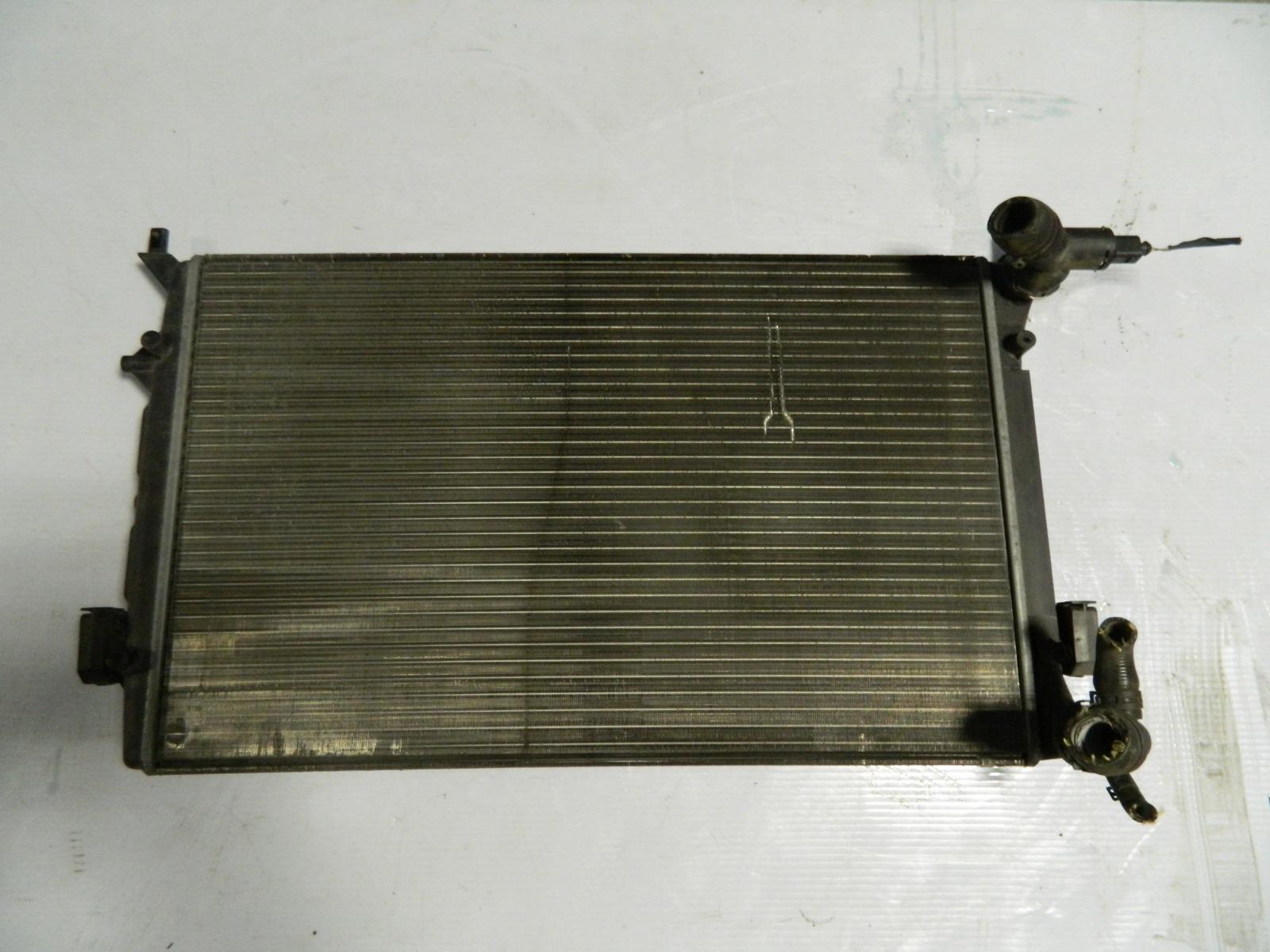 Радиатор двс Volkswagen Passat 3C (б/у)