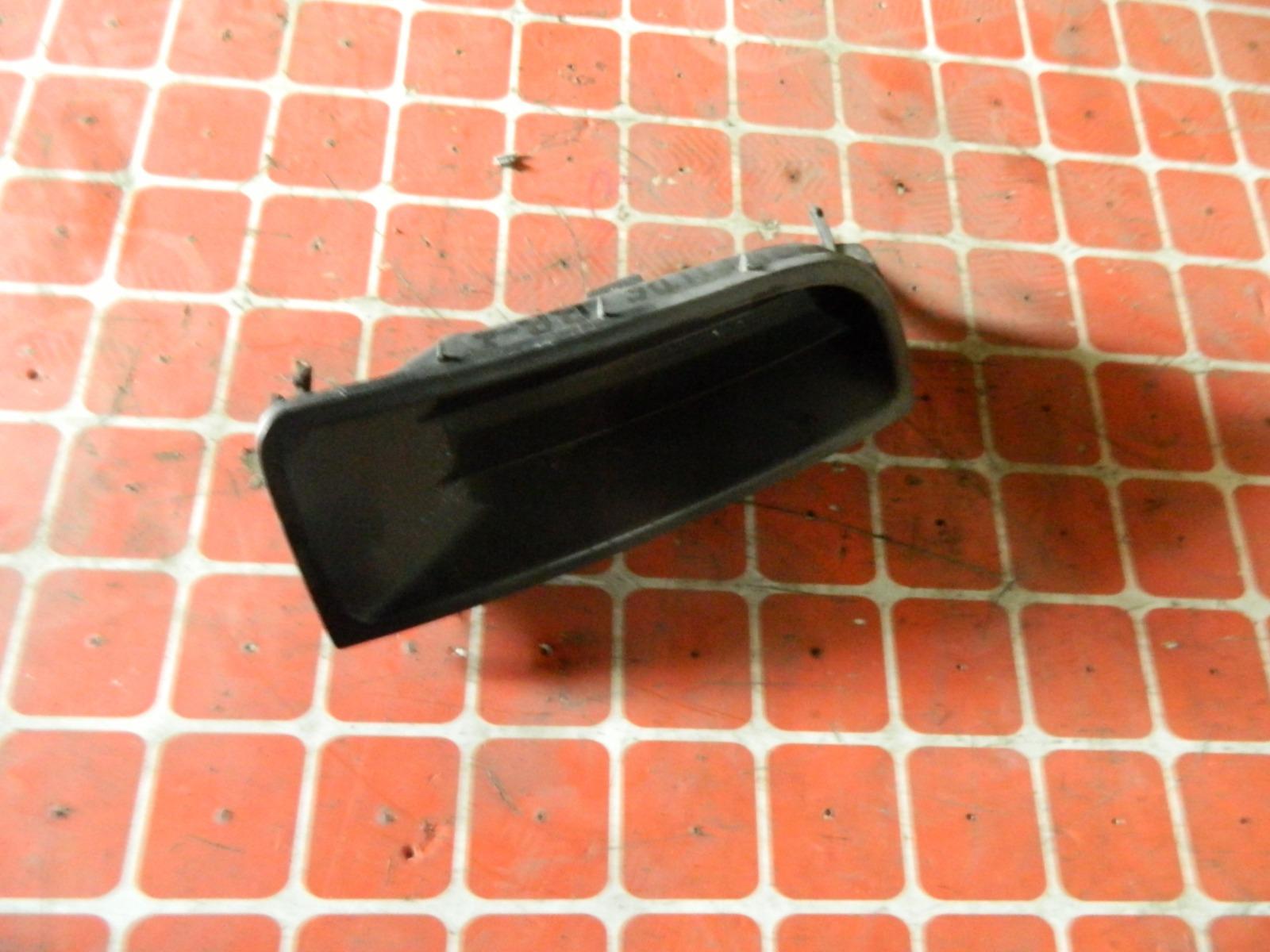 Заглушка противотуманной фары Honda Prelude BB5 правая (б/у)