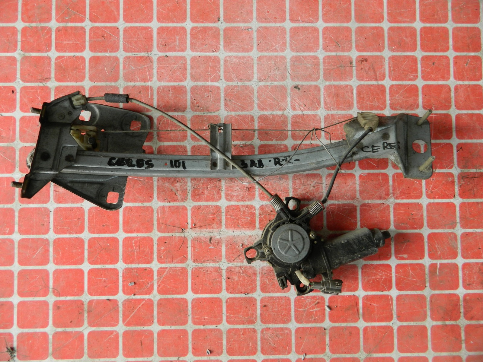 Стеклоподъемник Toyota Corolla Ceres AE101 задний правый (б/у)