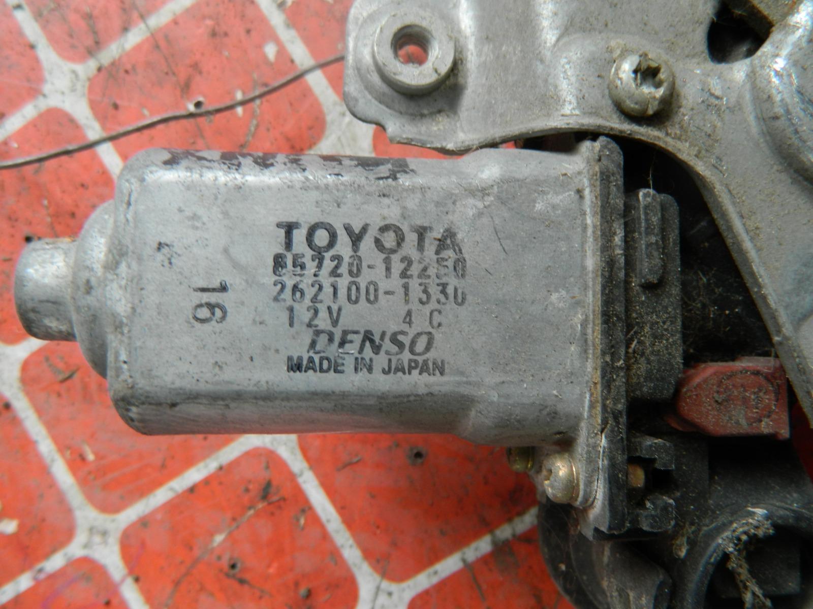 Стеклоподъемник Toyota Runx NZE120 задний правый (б/у)