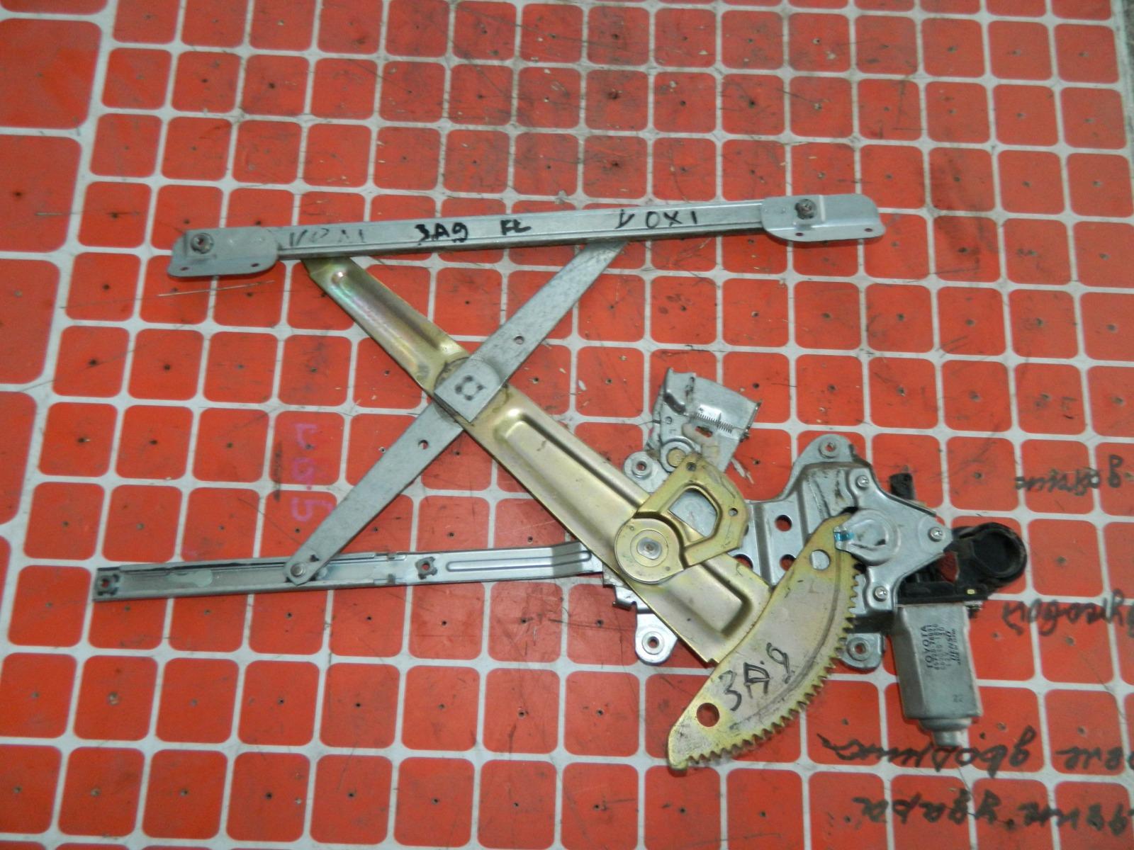 Механизм стекло-подъёмника. Toyota Voxy задний правый (б/у)