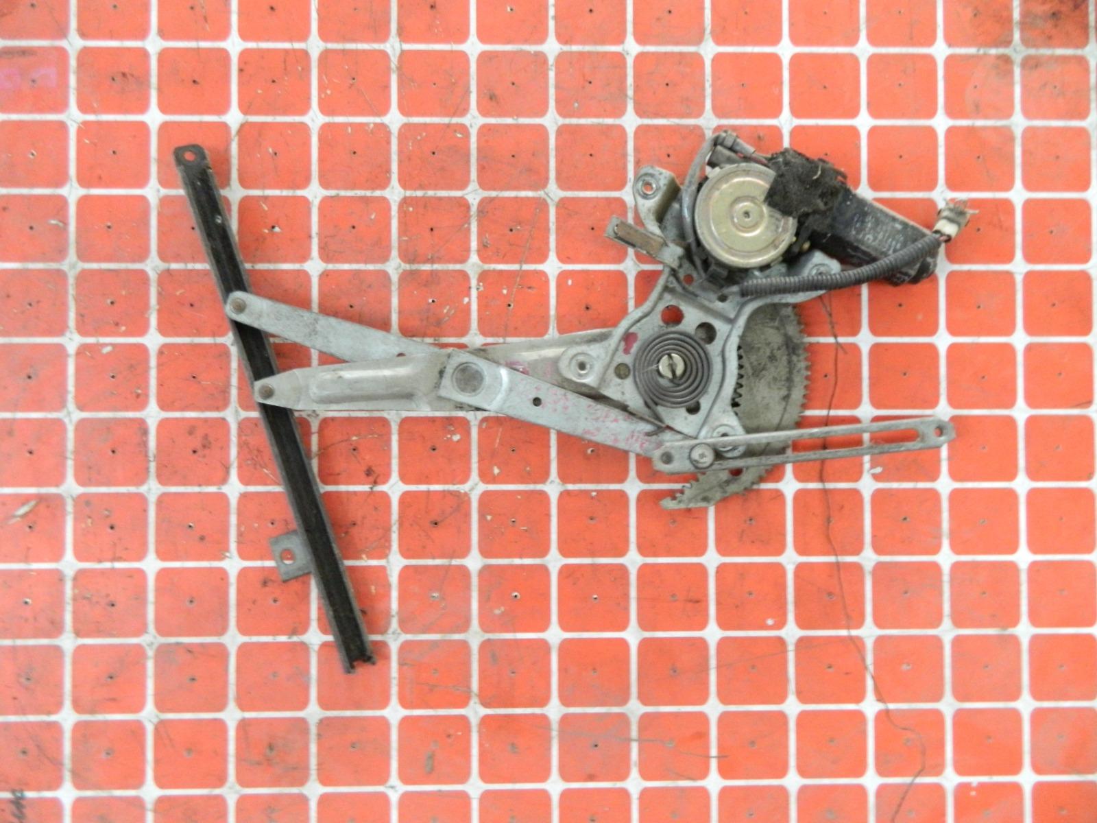 Механизм стекло-подъёмника. Toyota Hilux Surf KZN130 задний правый (б/у)