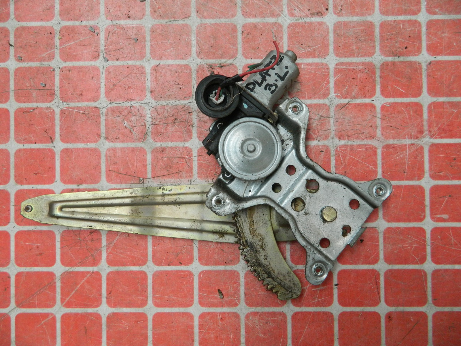 Стеклоподъемник Toyota Platz NCP12 задний левый (б/у)