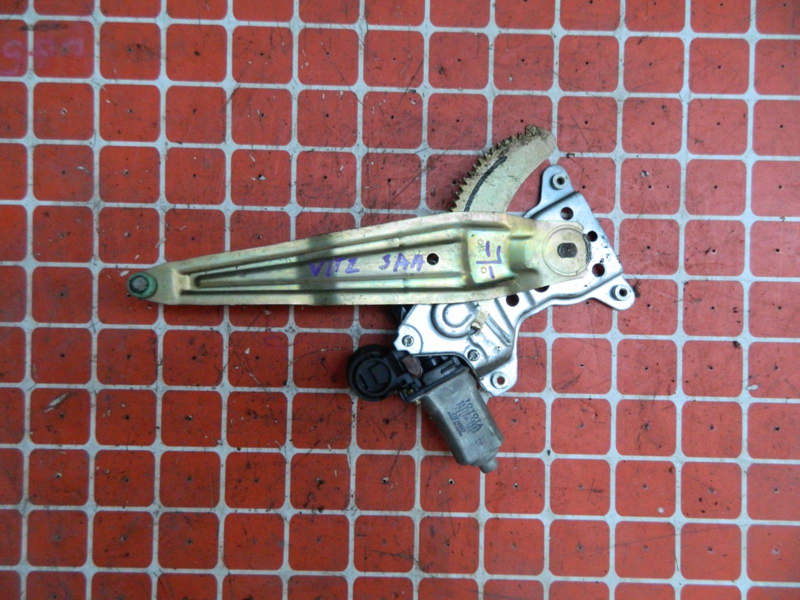 Механизм стекло-подъёмника. Toyota Vitz NCP10 задний левый (б/у)