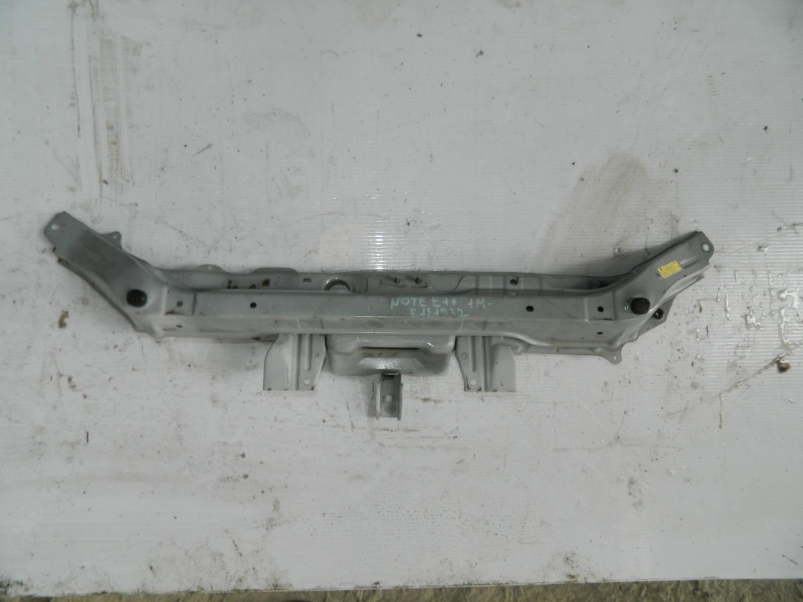 Усилитель бампера Nissan Note E11 передний (б/у)
