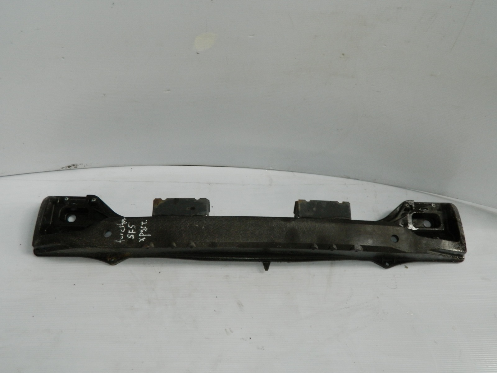 Усилитель бампера Subaru Forester SF5 (б/у)