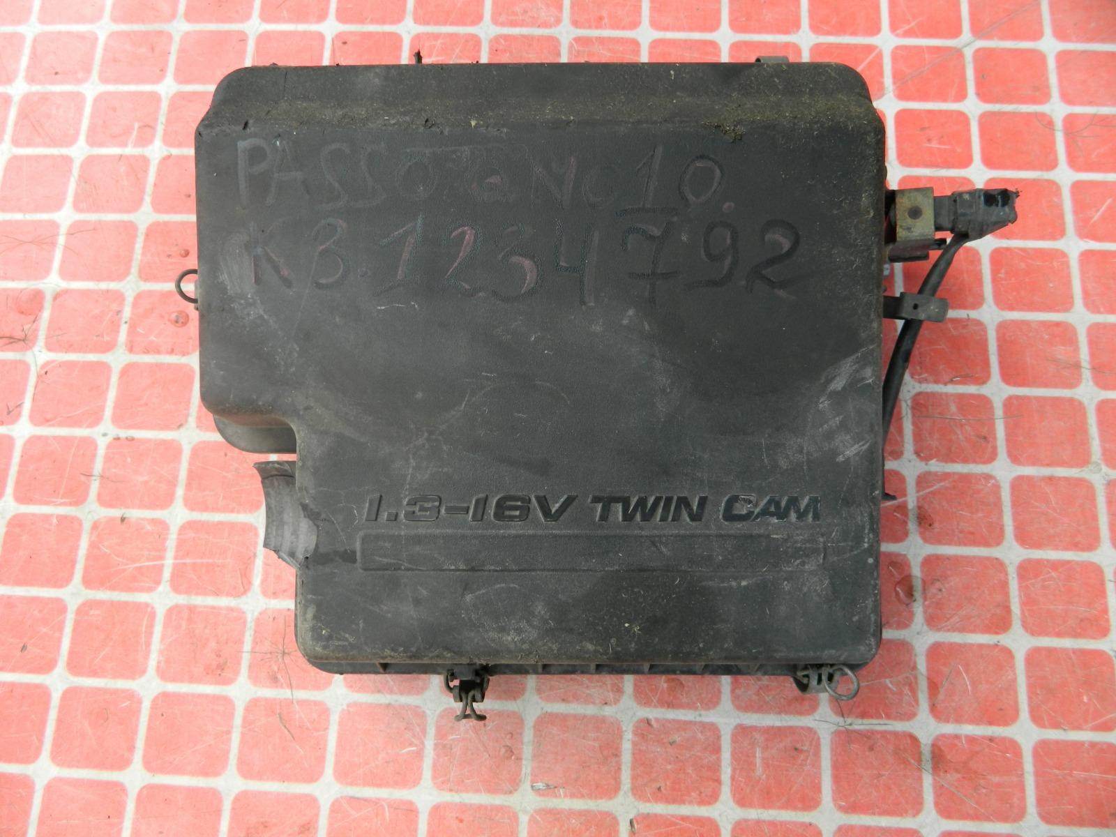 Корпус воздушного фильтра Toyota Passo QNC10 K3VE (б/у)