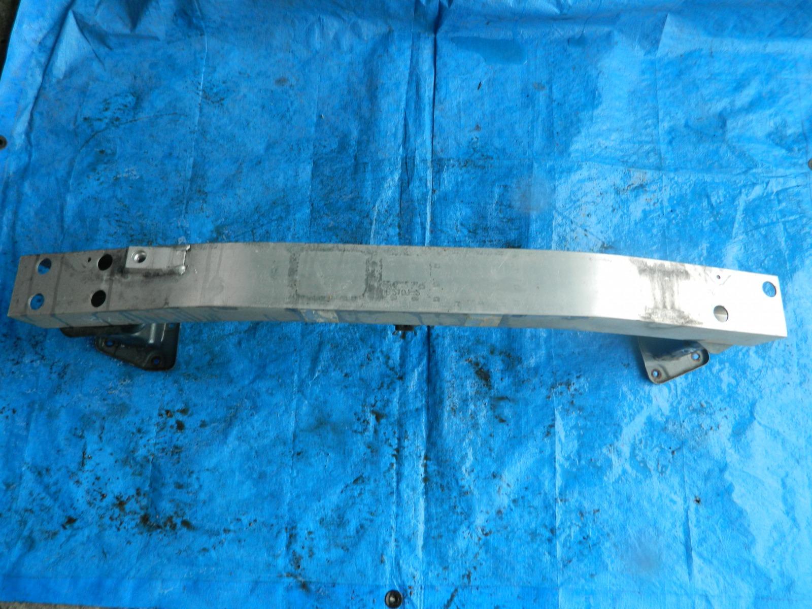 Усилитель бампера Nissan Wingroad Y12 (б/у)