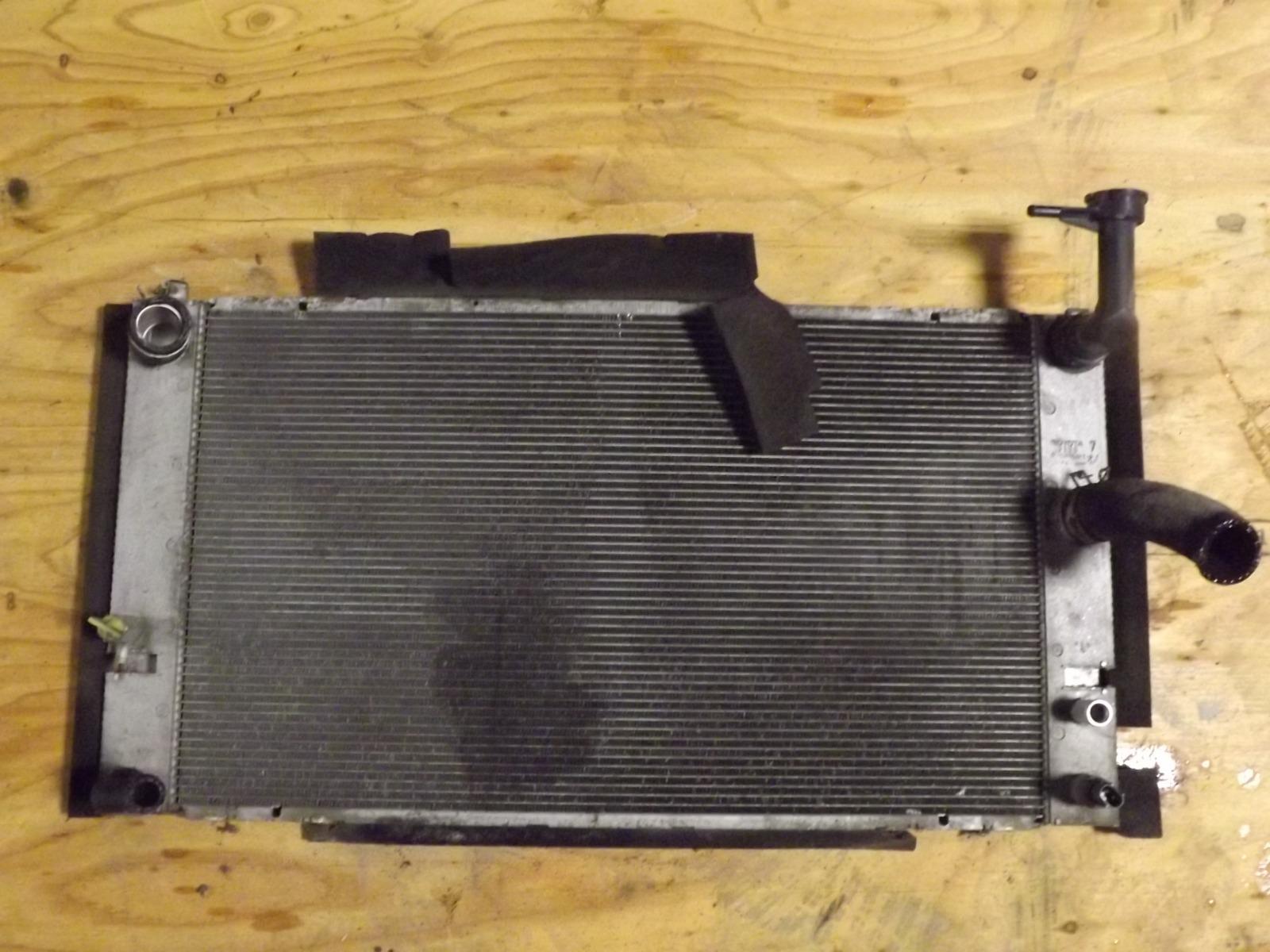 Радиатор двс Toyota Prius NHW20 (б/у)