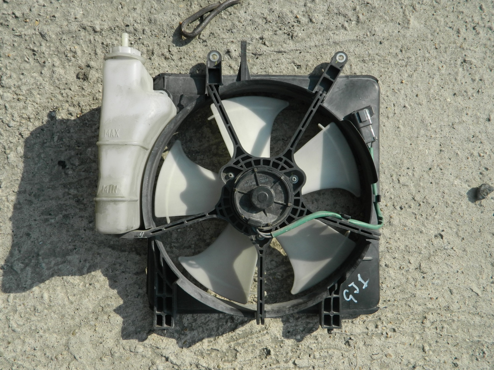 Диффузор радиатора Honda Airwave GJ1 (б/у)