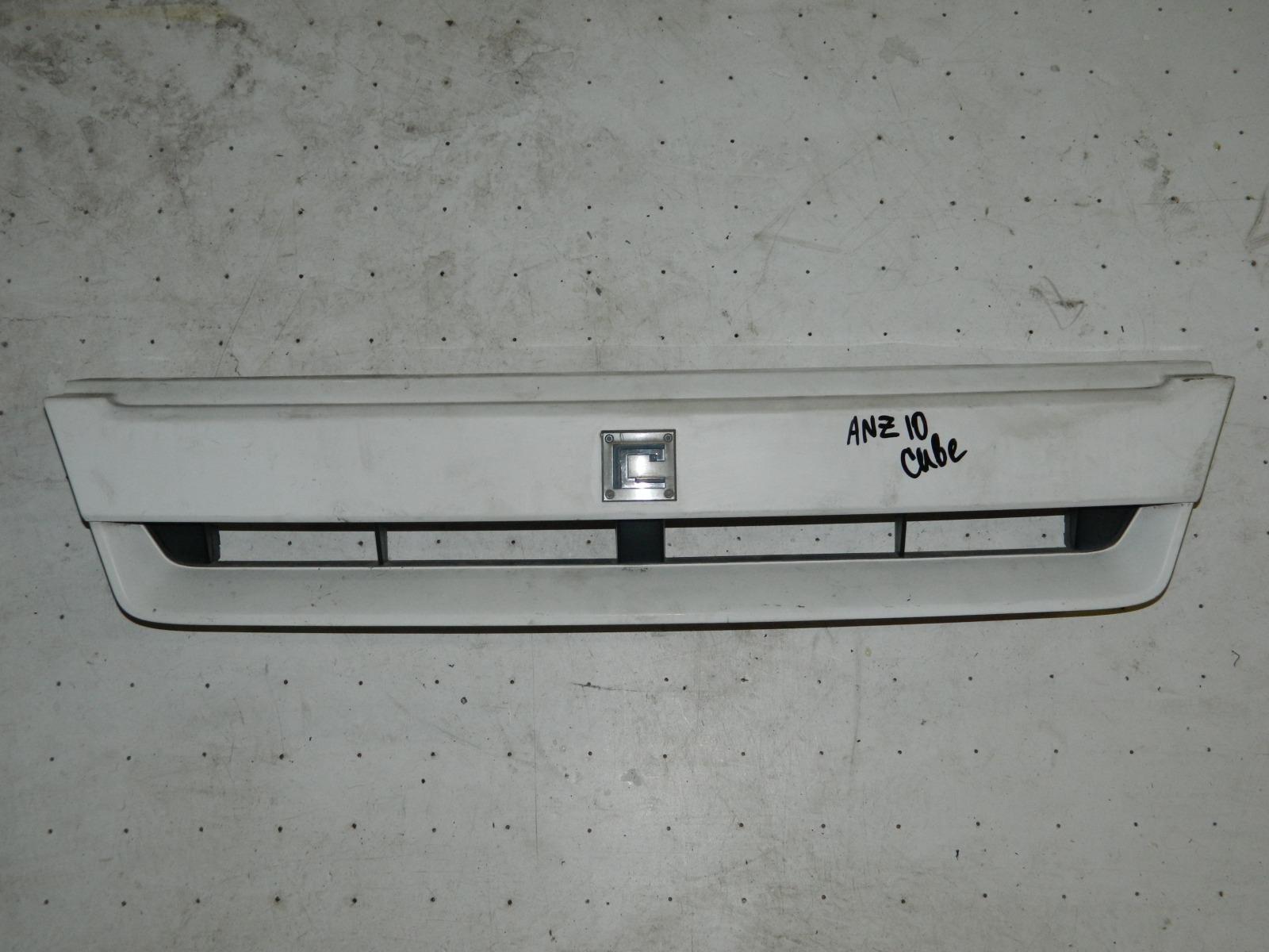 Решетка радиатора Nissan Cube ANZ10 (б/у)