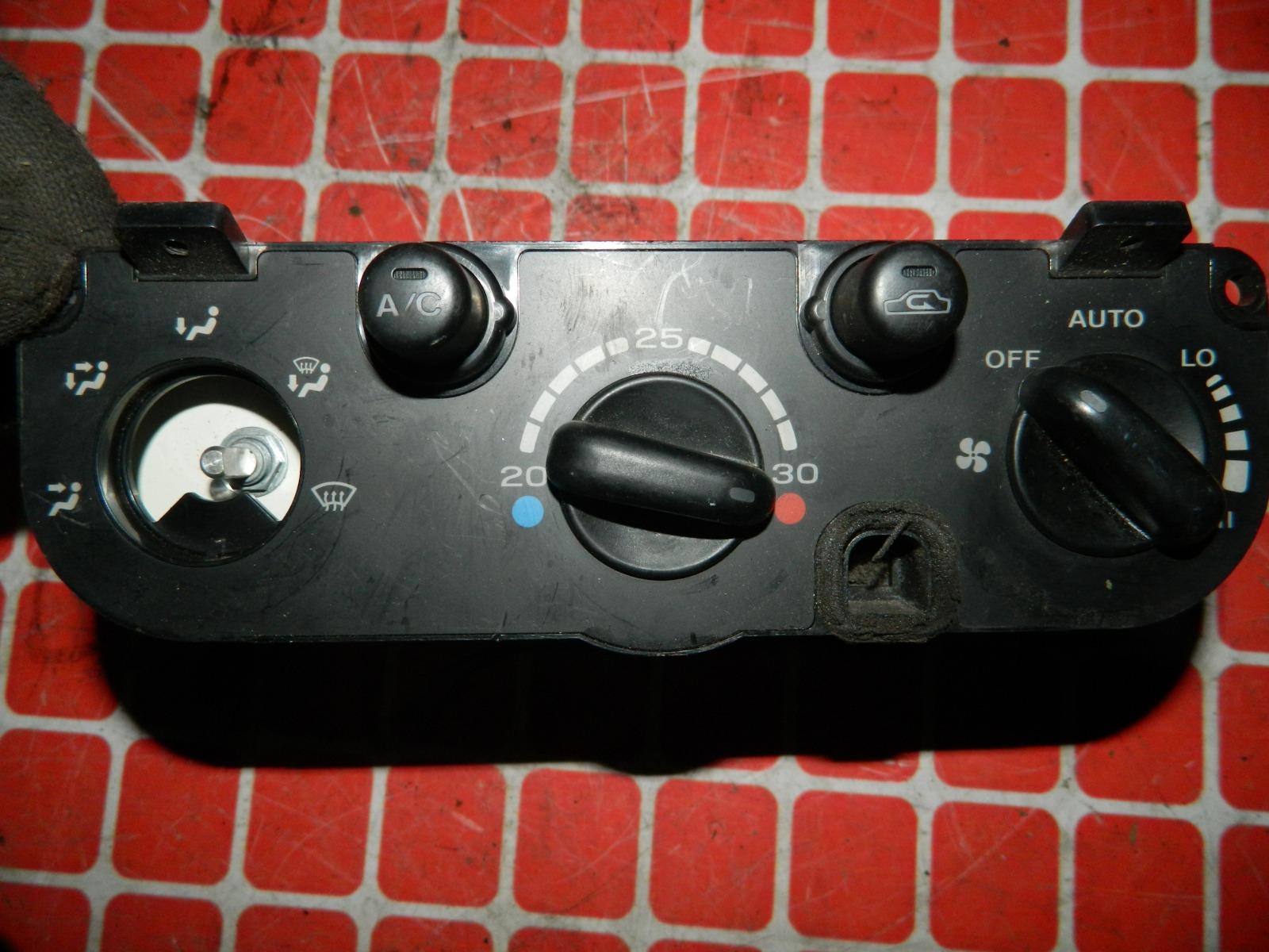 Блок управления климат-контролем Subaru Impreza GC8 (б/у)