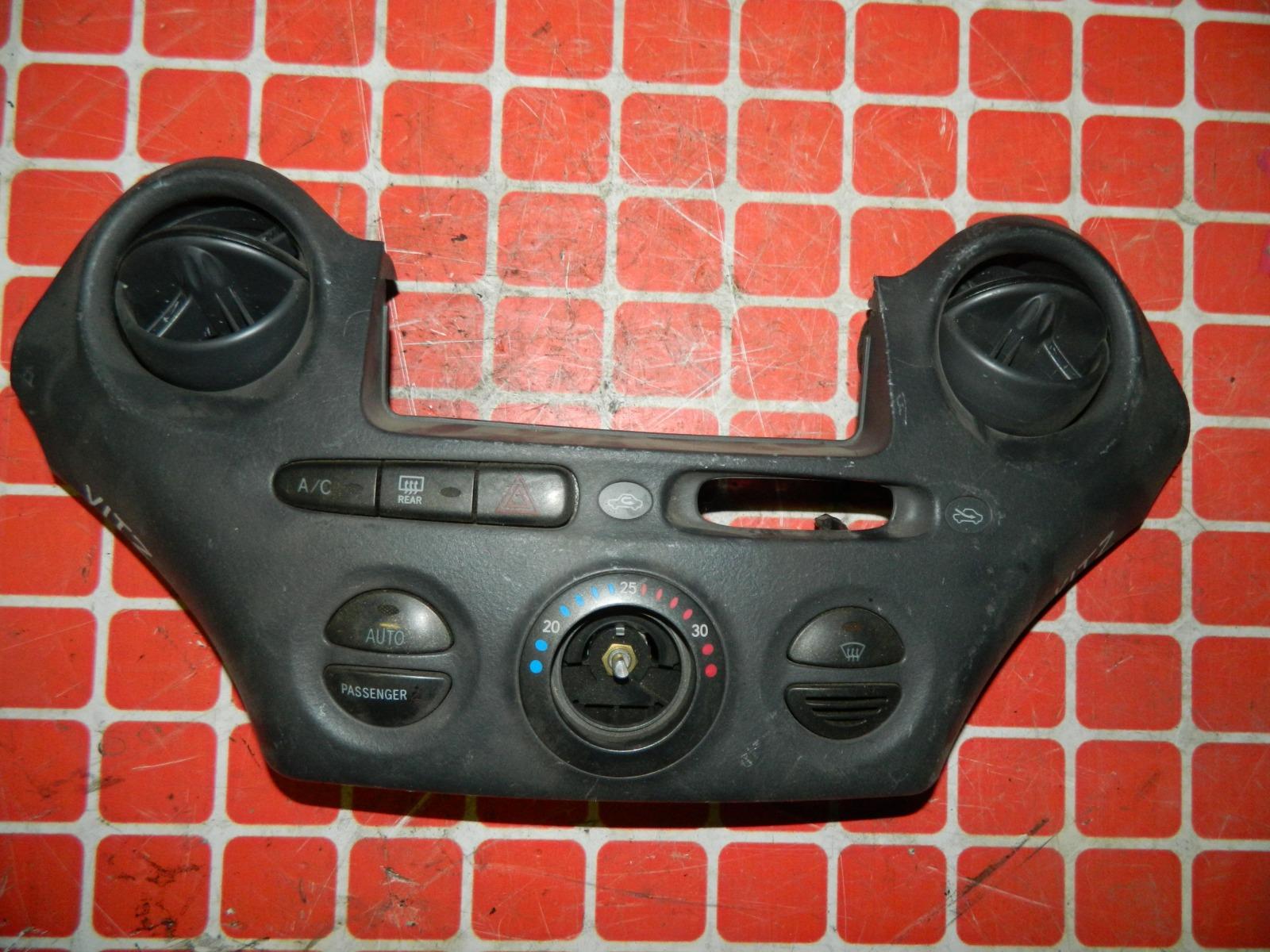 Блок управления климат-контролем Toyota Vitz SCP10 (б/у)