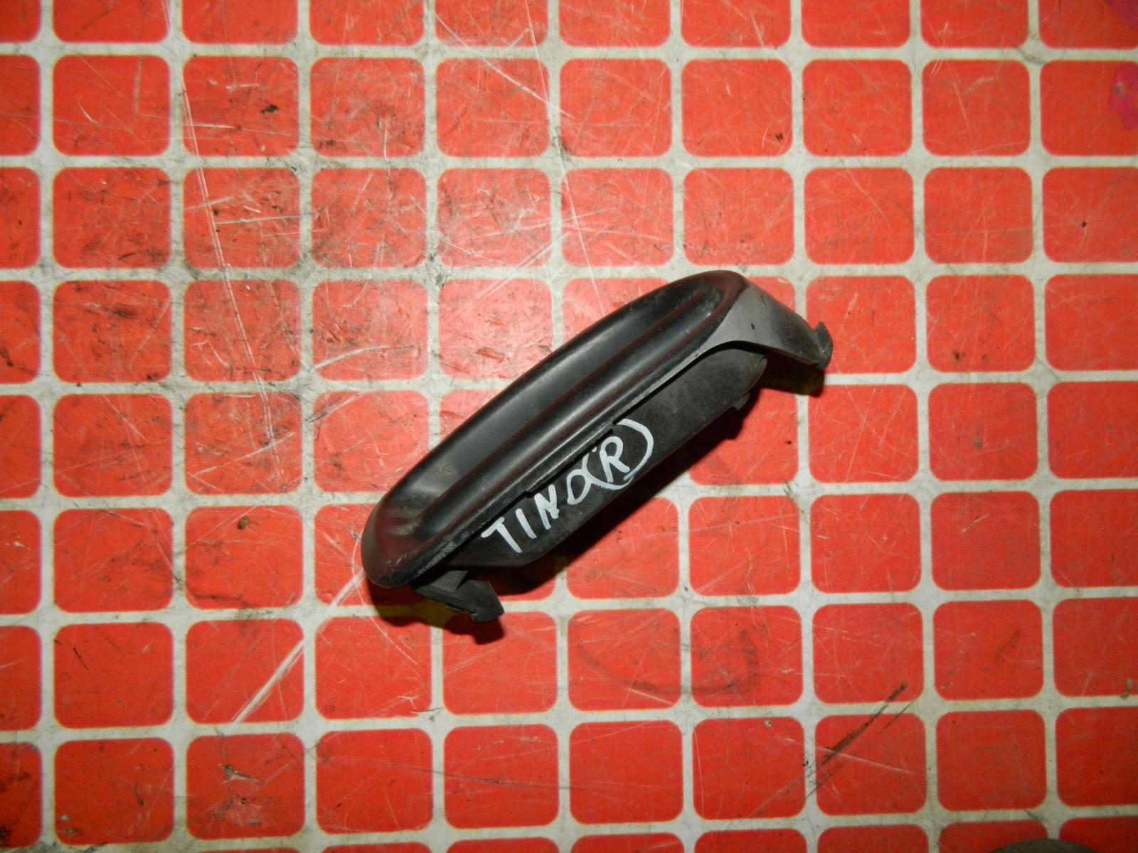 Заглушка противотуманной фары Nissan Tino V10 передняя правая (б/у)