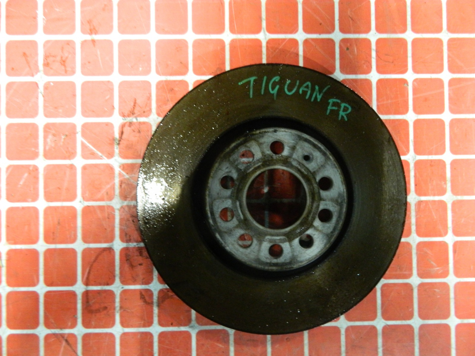 Тормозной диск Volkswagen Tiguan 5N2 CAW передний (б/у)
