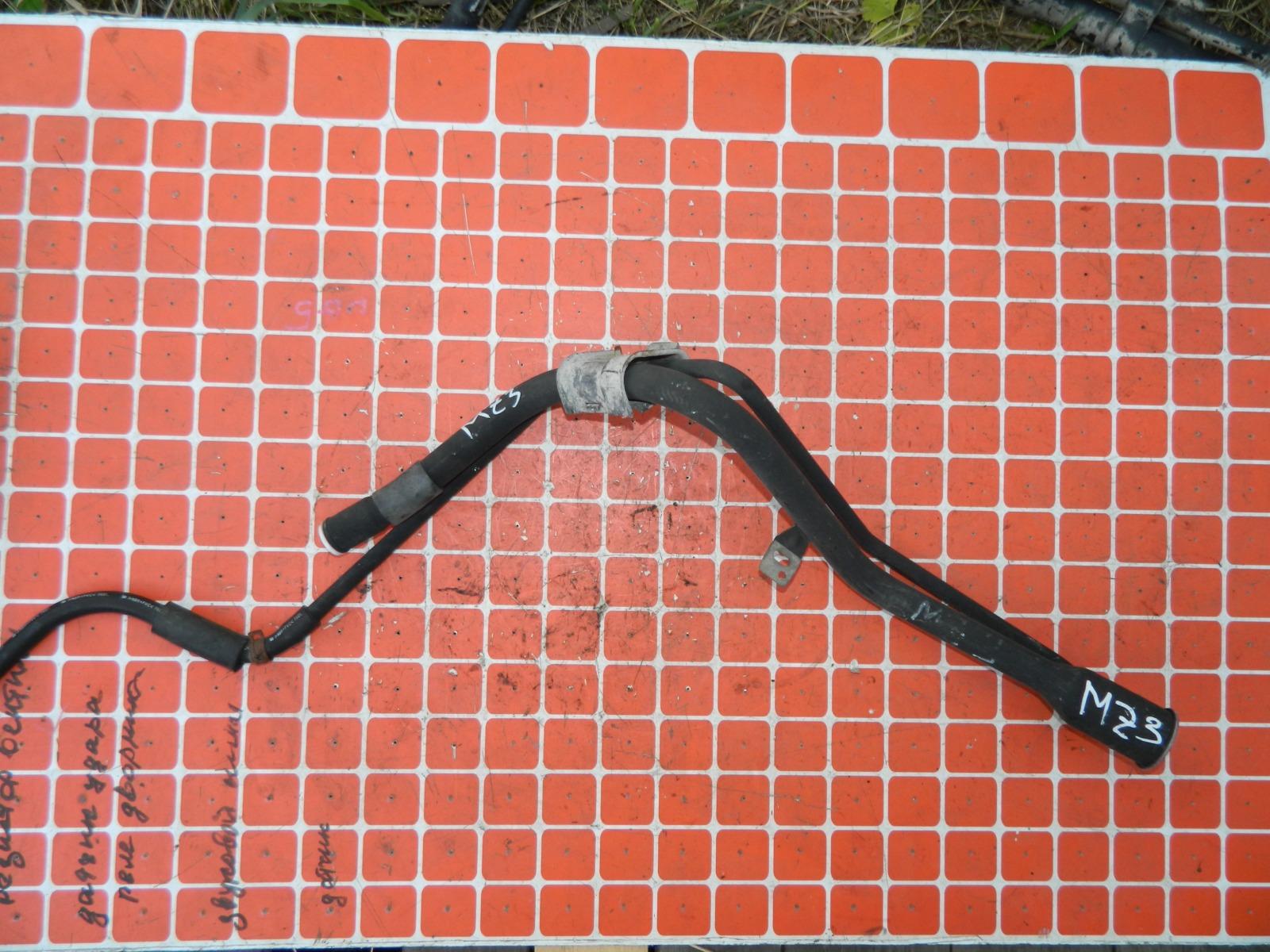 Заливная горловина топливного бака Mazda 3 BK (б/у)
