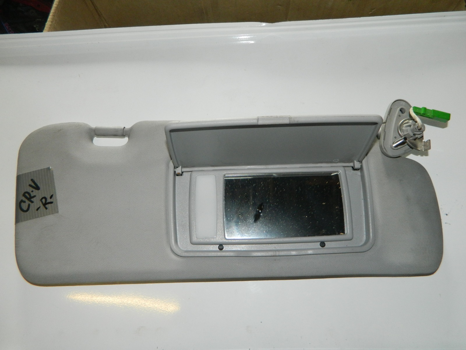 Козырек солнцезащитный Honda Cr-V правый (б/у)