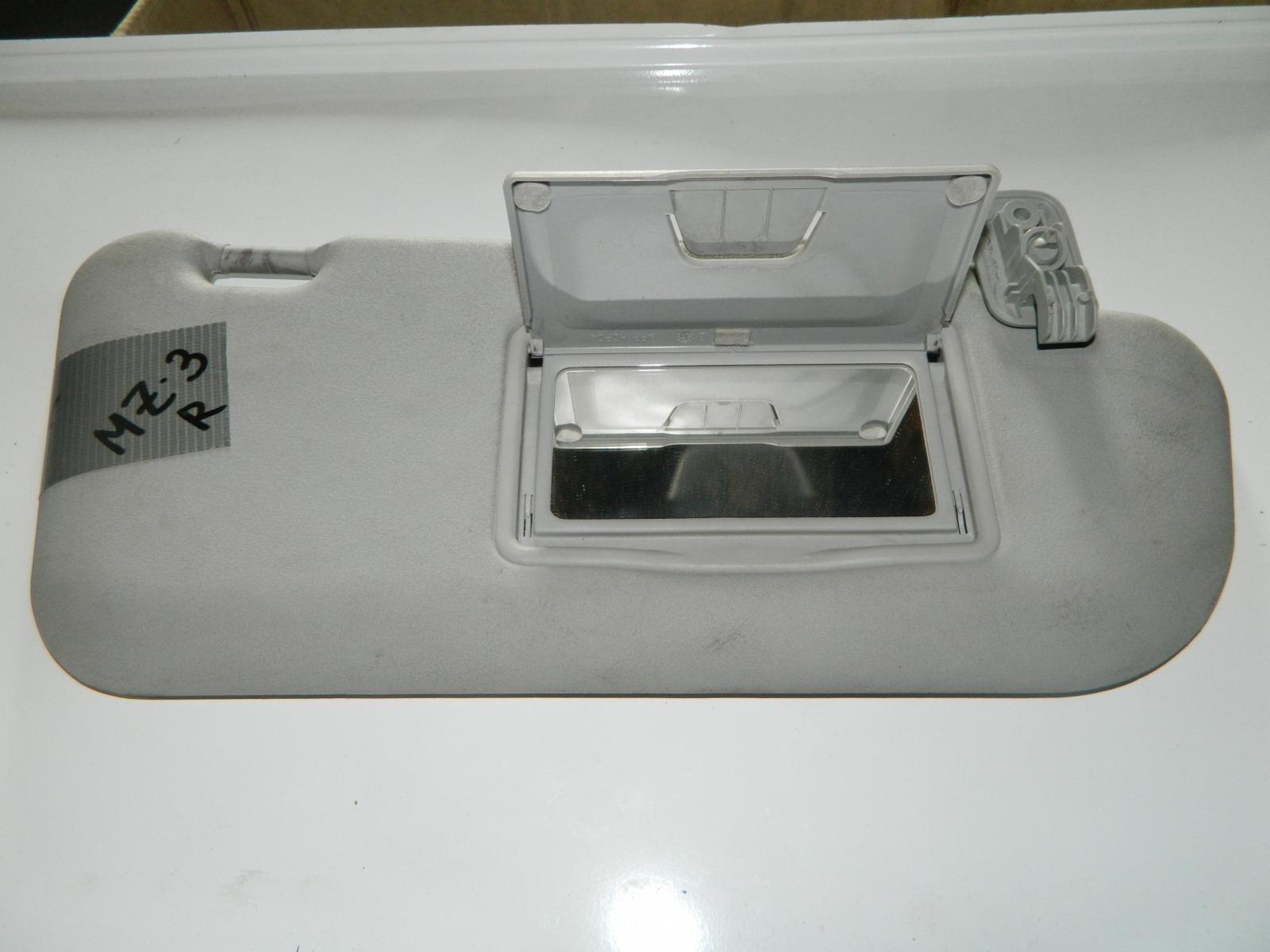 Козырек солнцезащитный Mazda 3 правый (б/у)
