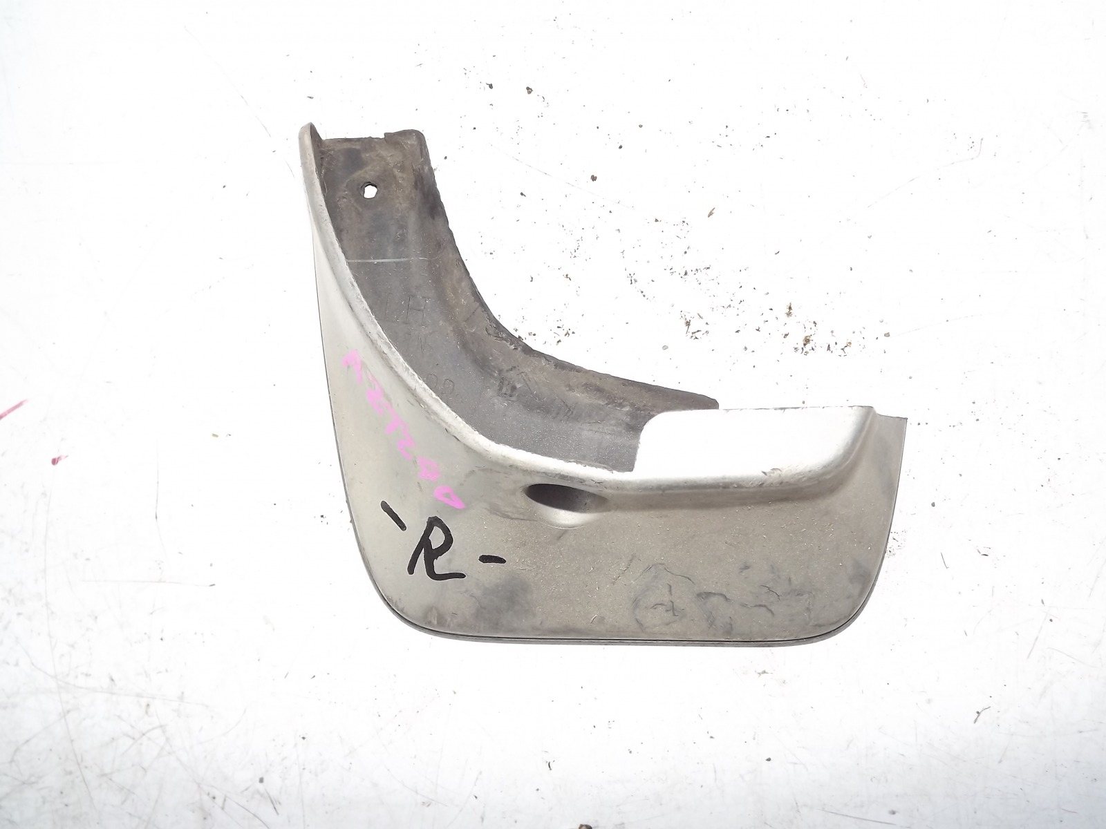 Брызговик Toyota Premio AZT240 задний левый (б/у)