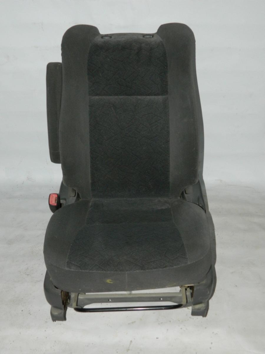 Сиденье Toyota Estima CXR30 переднее левое (б/у)