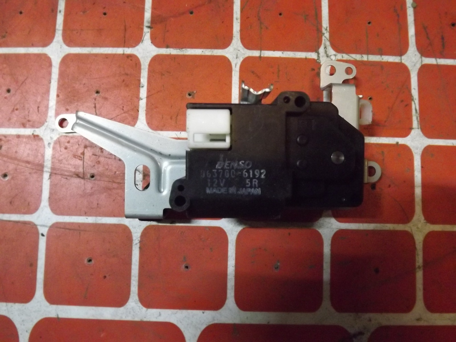 Сервопривод заслонки печки Toyota Hilux Surf RZN185W (б/у)