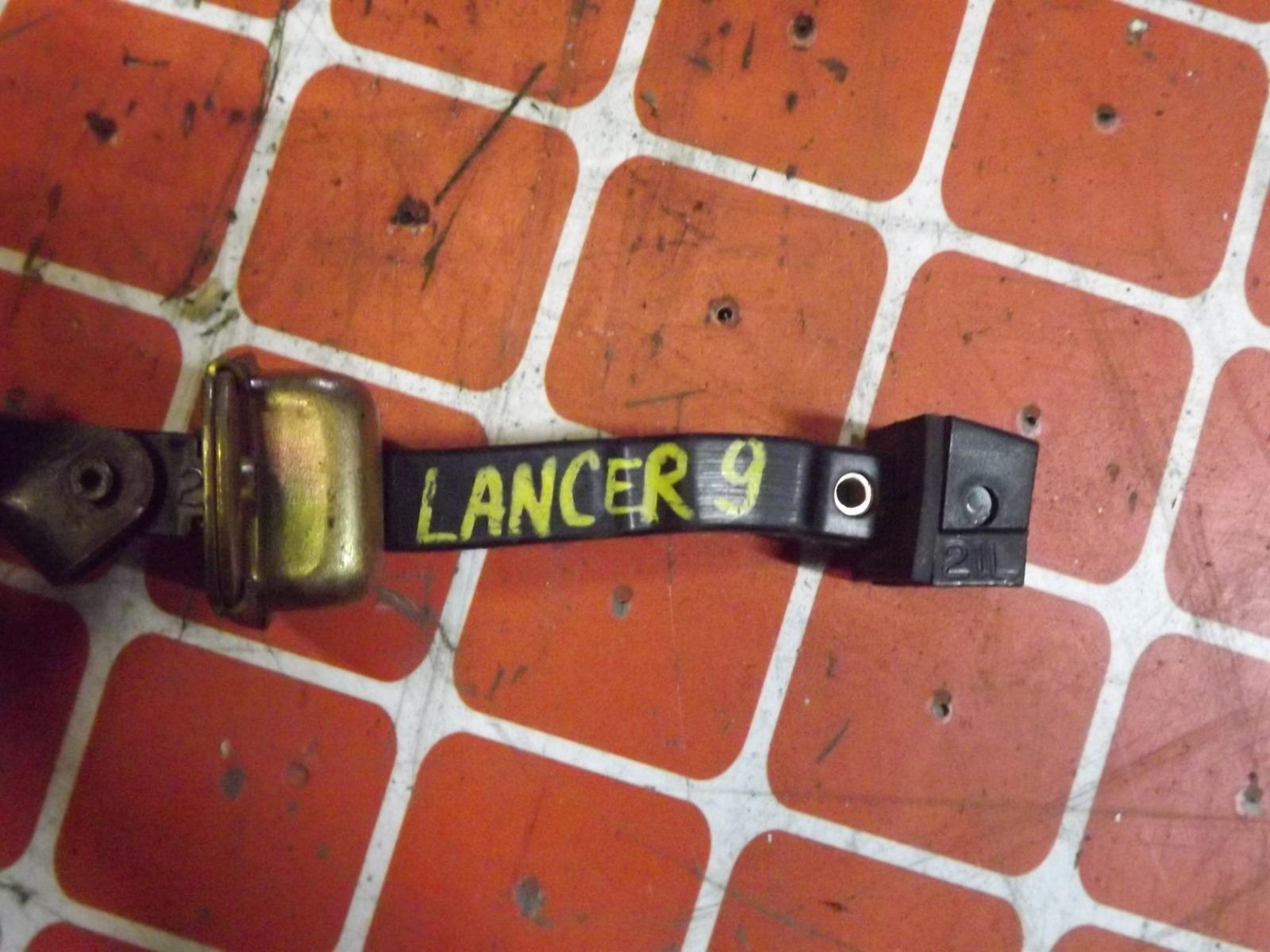Ограничитель двери Mitsubishi Lancer CS передний (б/у)