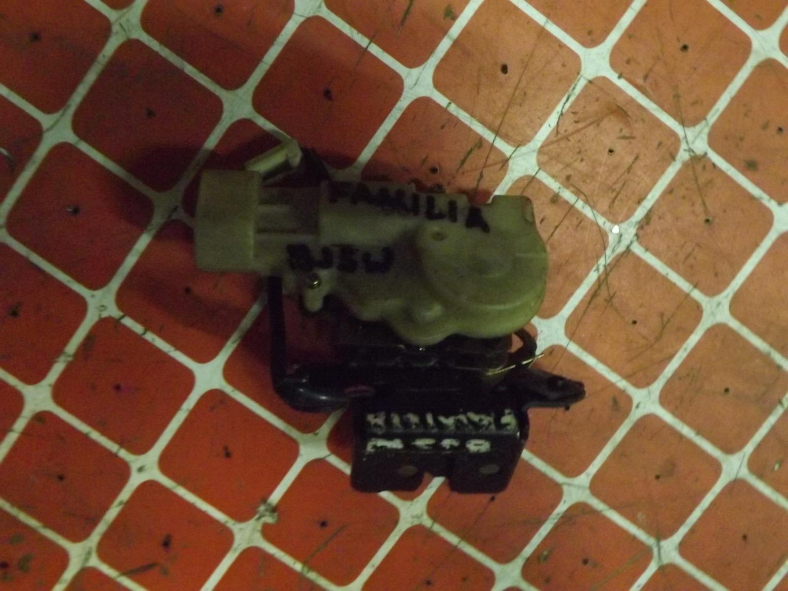 Замок багажника Mazda Familia BJ5W (б/у)