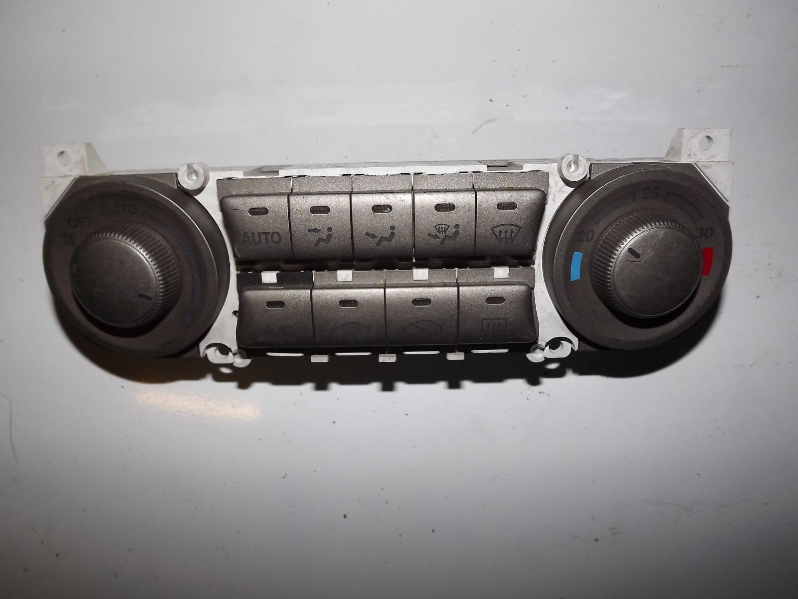 Блок управления климат-контролем Honda Stream RN1 (б/у)