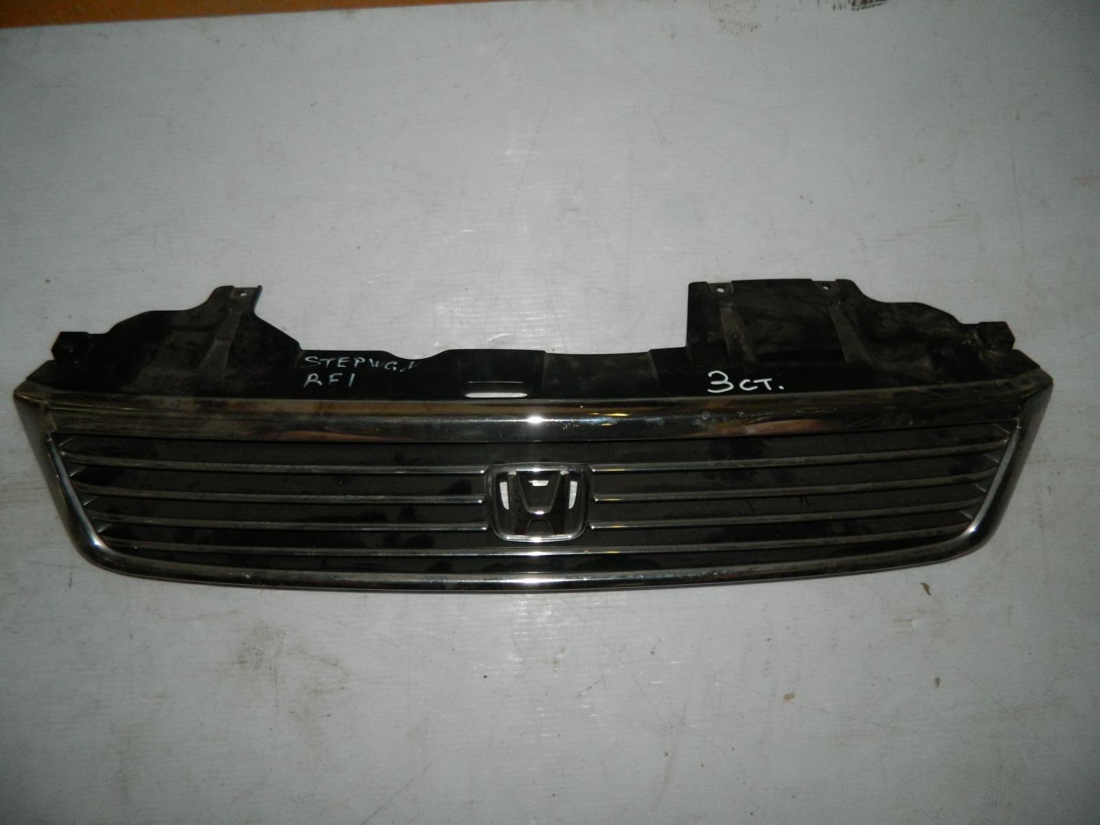 Решетка радиатора Honda Stepwagon RF1 (б/у)
