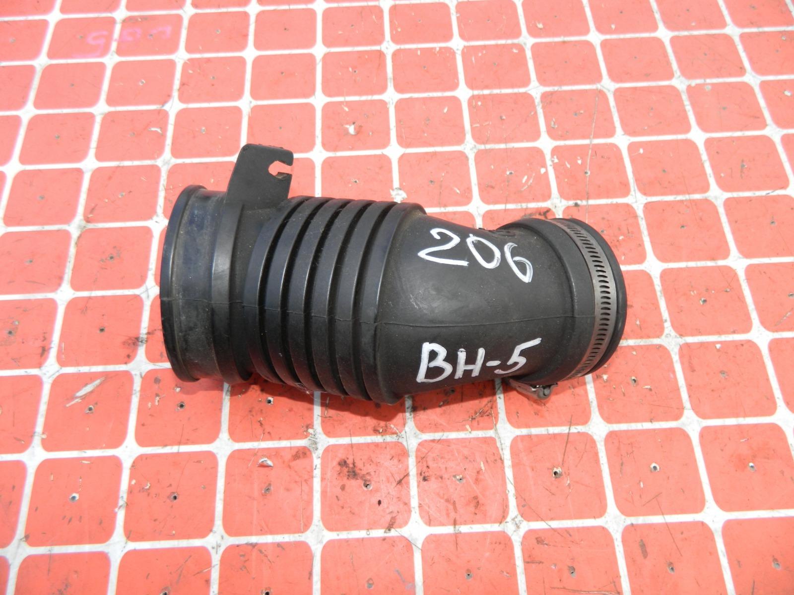 Патрубок воздушного фильтра Subaru Legacy BH5 (б/у)