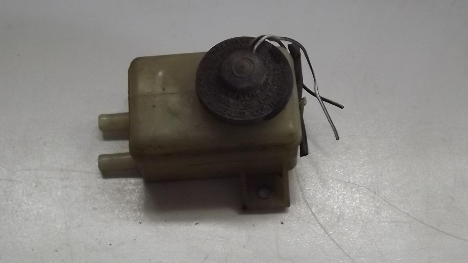 Бачок для тормозной жидкости Toyota Corolla Spacio AE111 (б/у)