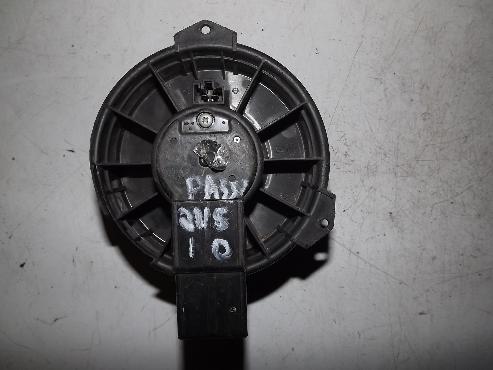 Мотор печки Toyota Passo QNC10 (б/у)