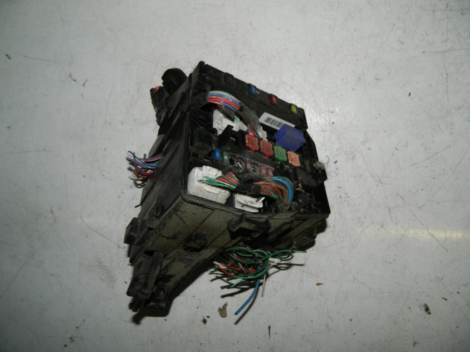 Блок предохранителей Toyota Ractis SCP100 2SZFE (б/у)