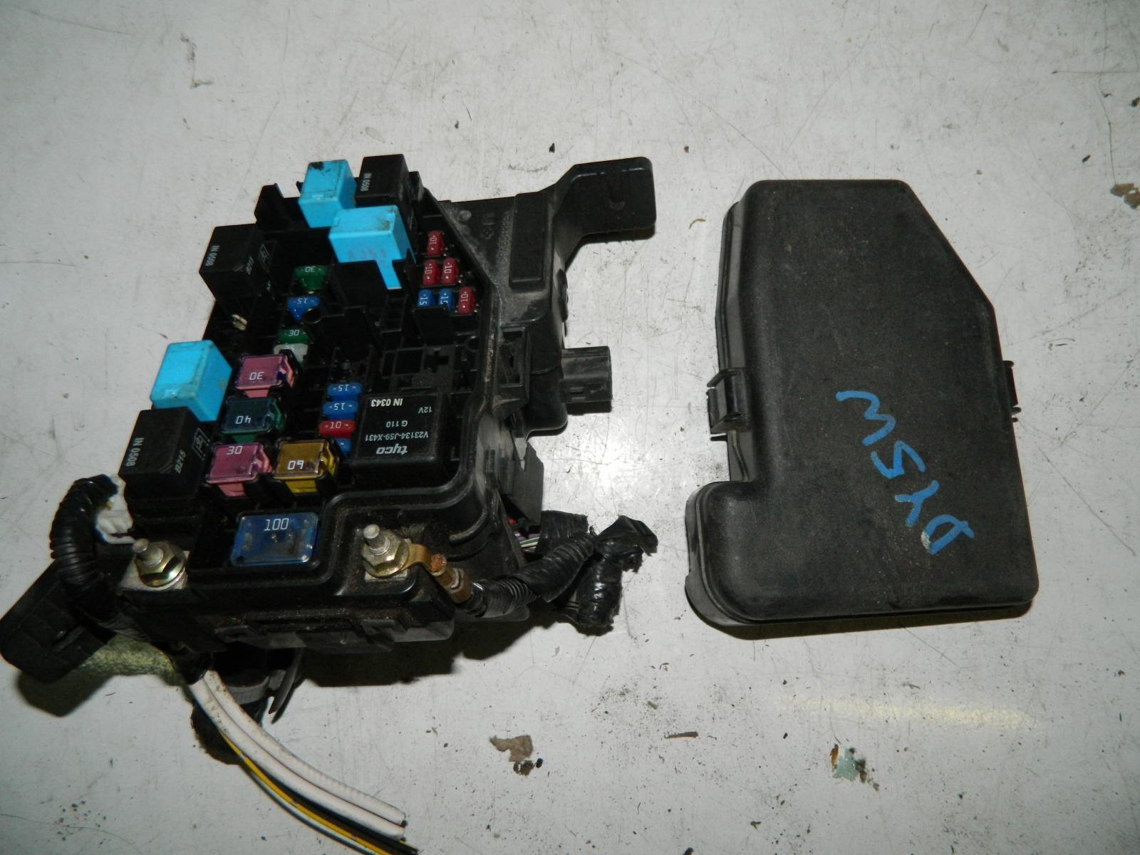 Блок предохранителей Mazda Demio DY5W (б/у)
