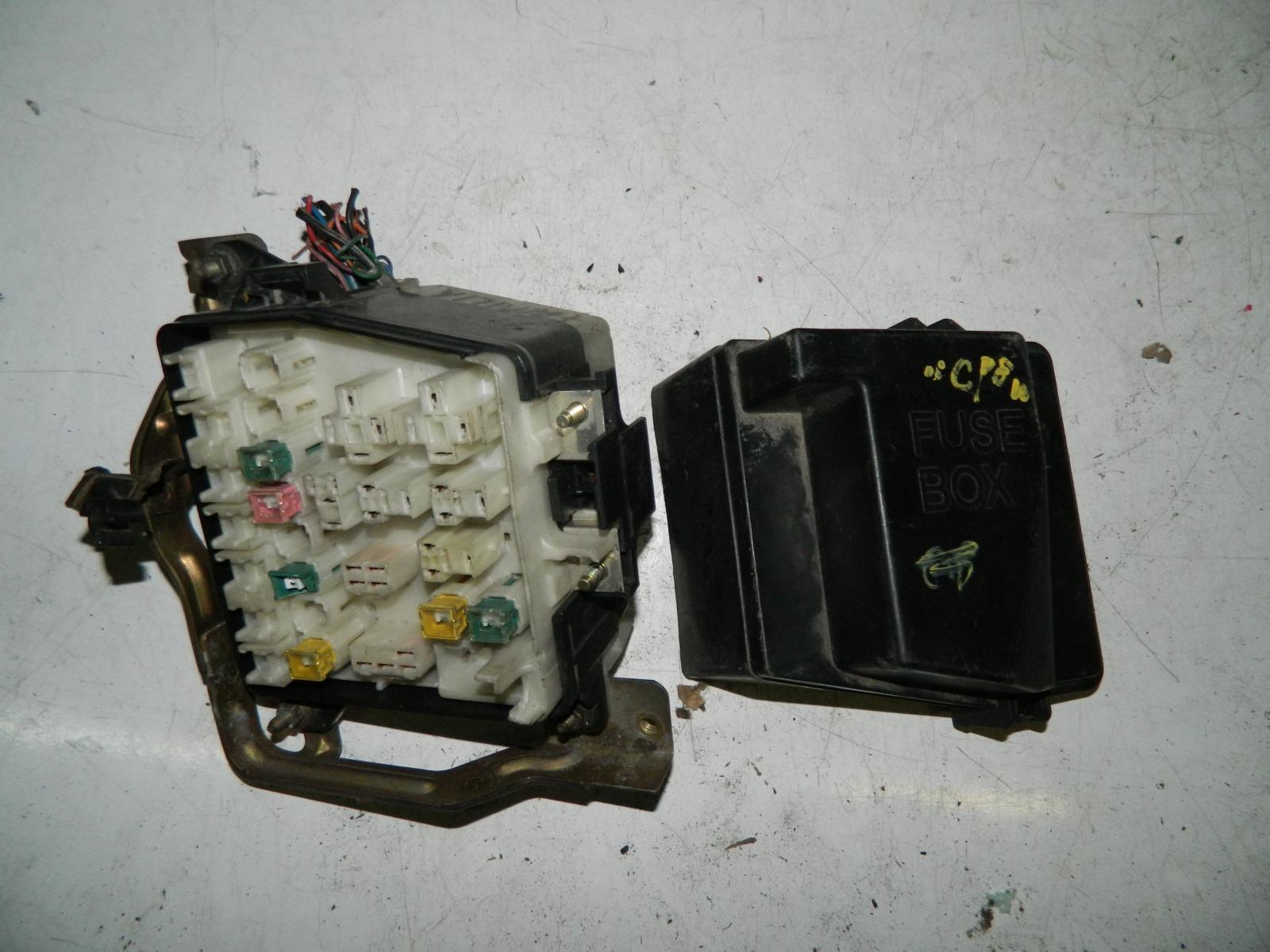 Блок предохранителей Mazda Familia BJ5W FS (б/у)