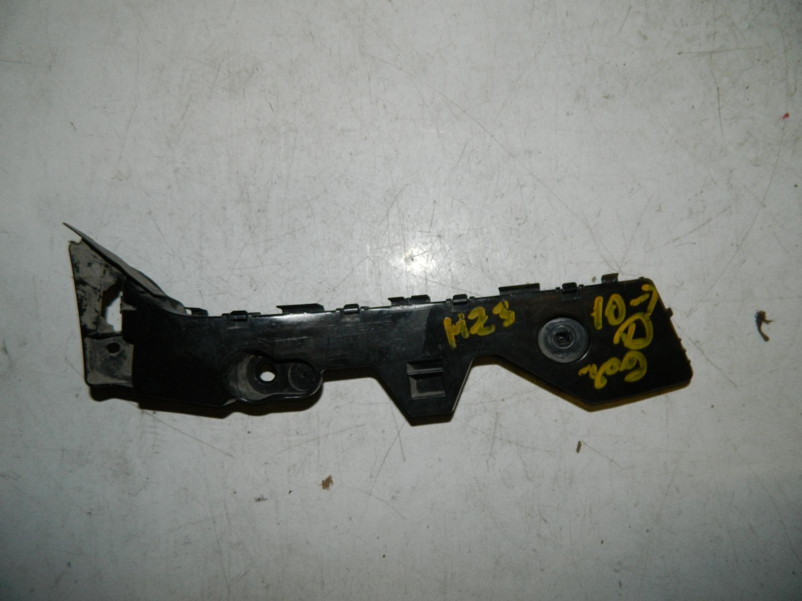 Крепление бампера Mazda 3 BL заднее левое (б/у)