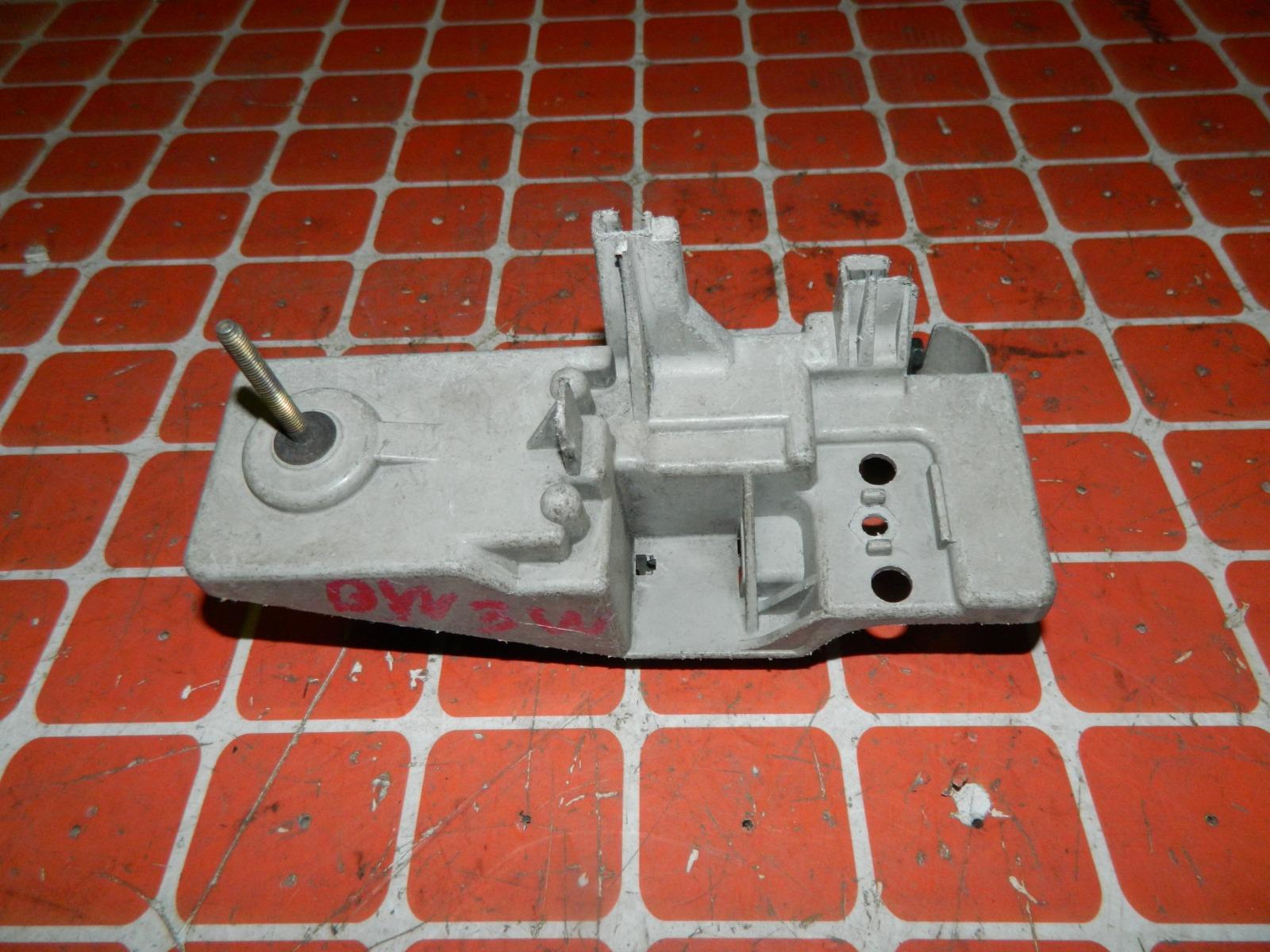 Крепление фары Mazda Demio DW3W переднее правое (б/у)