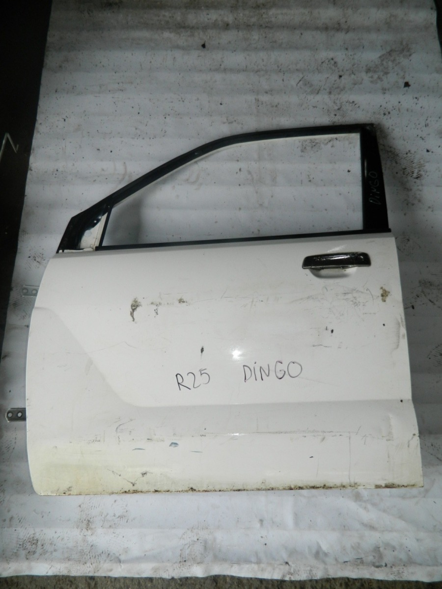 Дверь Mitsubishi Dingo CQ2A передняя левая (б/у)
