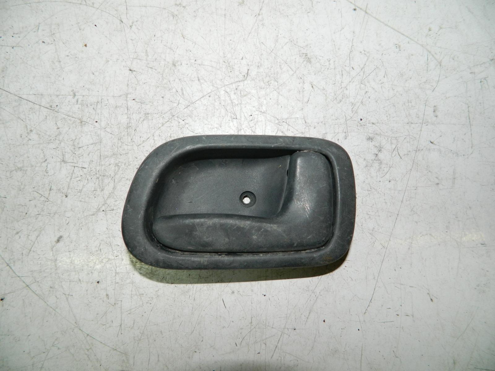 Ручка двери внутренняя Toyota Carib AE115 передняя правая (б/у)