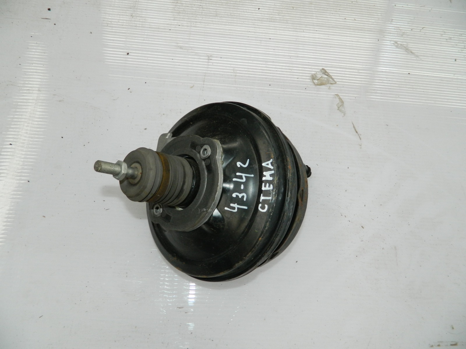 Вакумник тормозной Audi A8 (б/у)