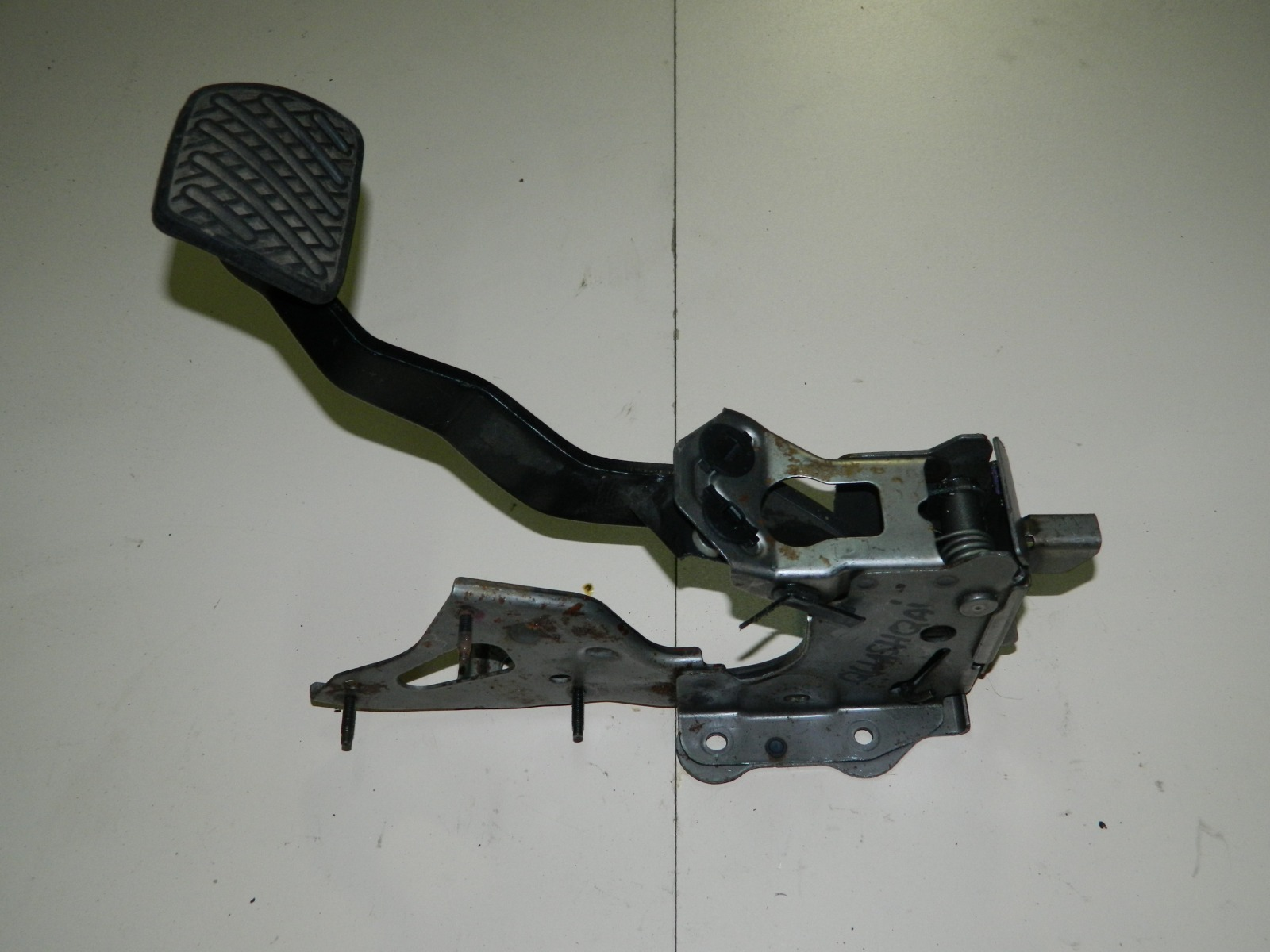 Педаль тормоза Nissan Qashqai J10 (б/у)