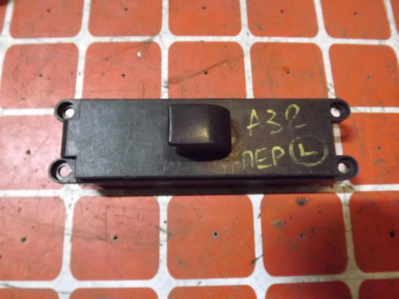 Кнопка стеклоподьемника Nissan Cefiro A32 передняя левая (б/у)