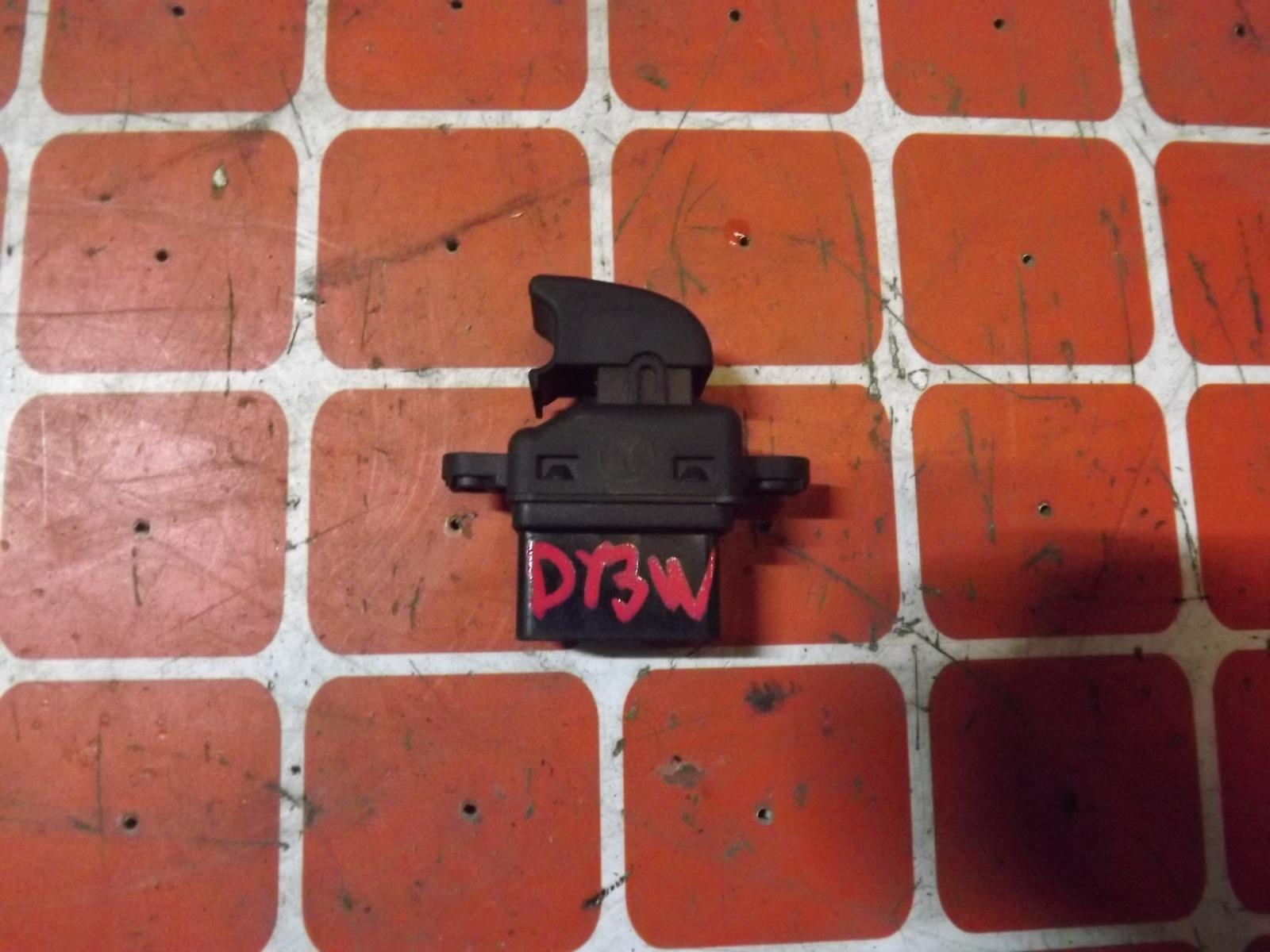 Кнопка стеклоподьемника Mazda Demio DY3W (б/у)